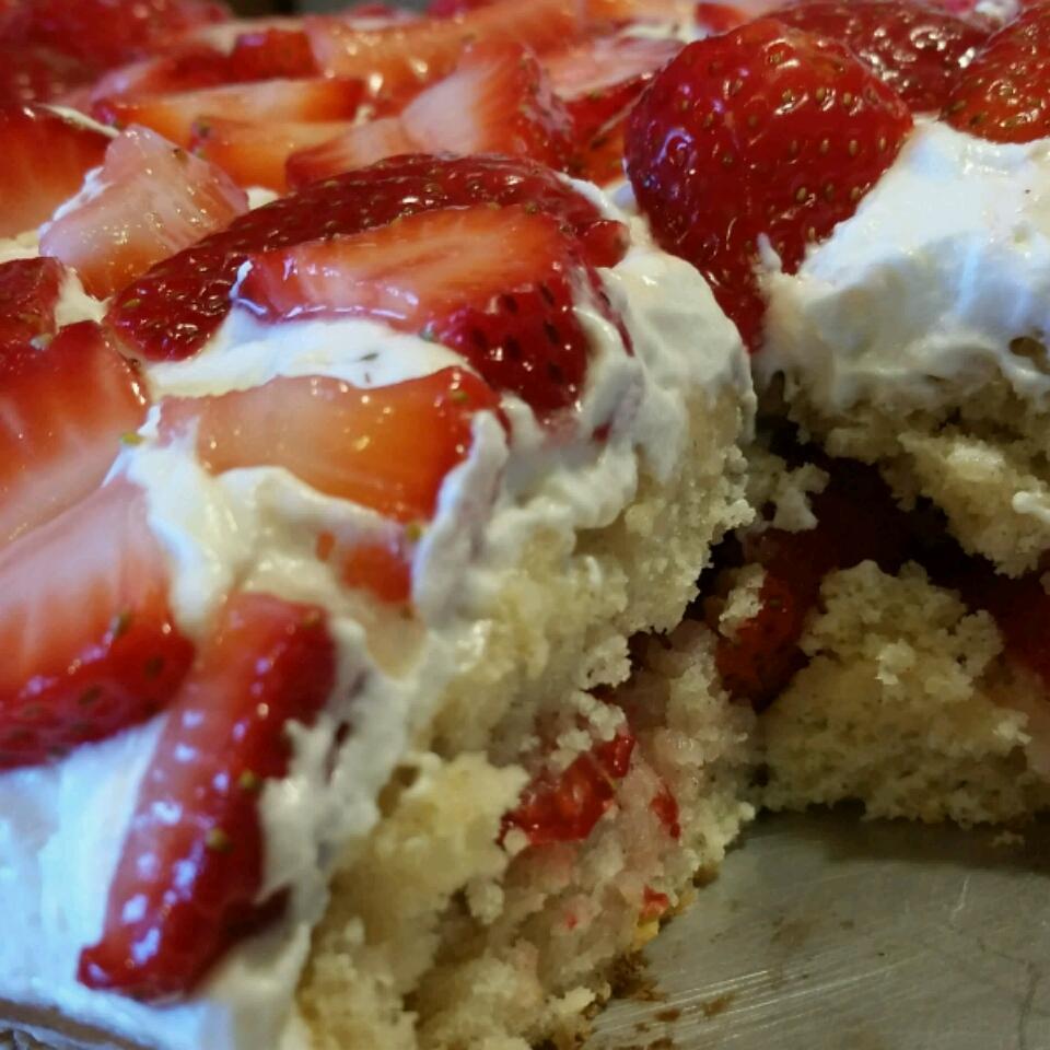 Cottage Pudding (Cake for Strawberry Shortcake) Valerie Vaie
