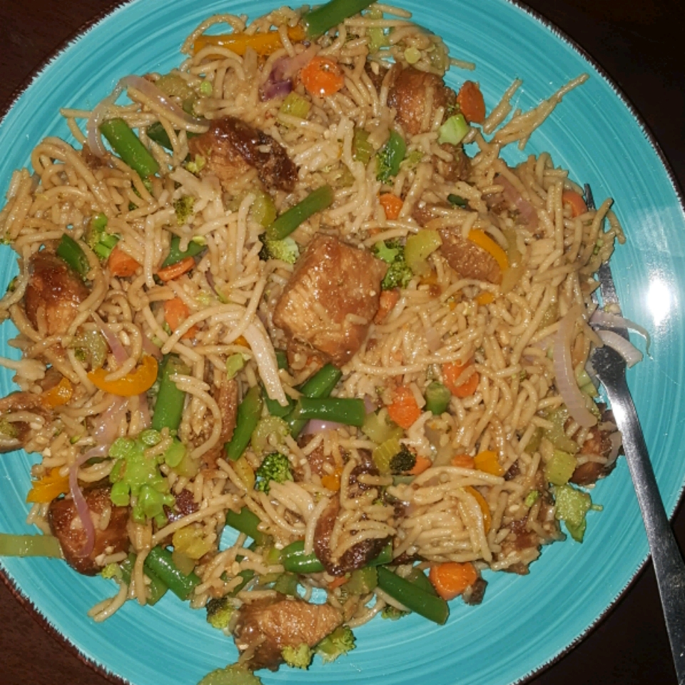 Chicken Lo Mein with Broccoli Alex Bailey