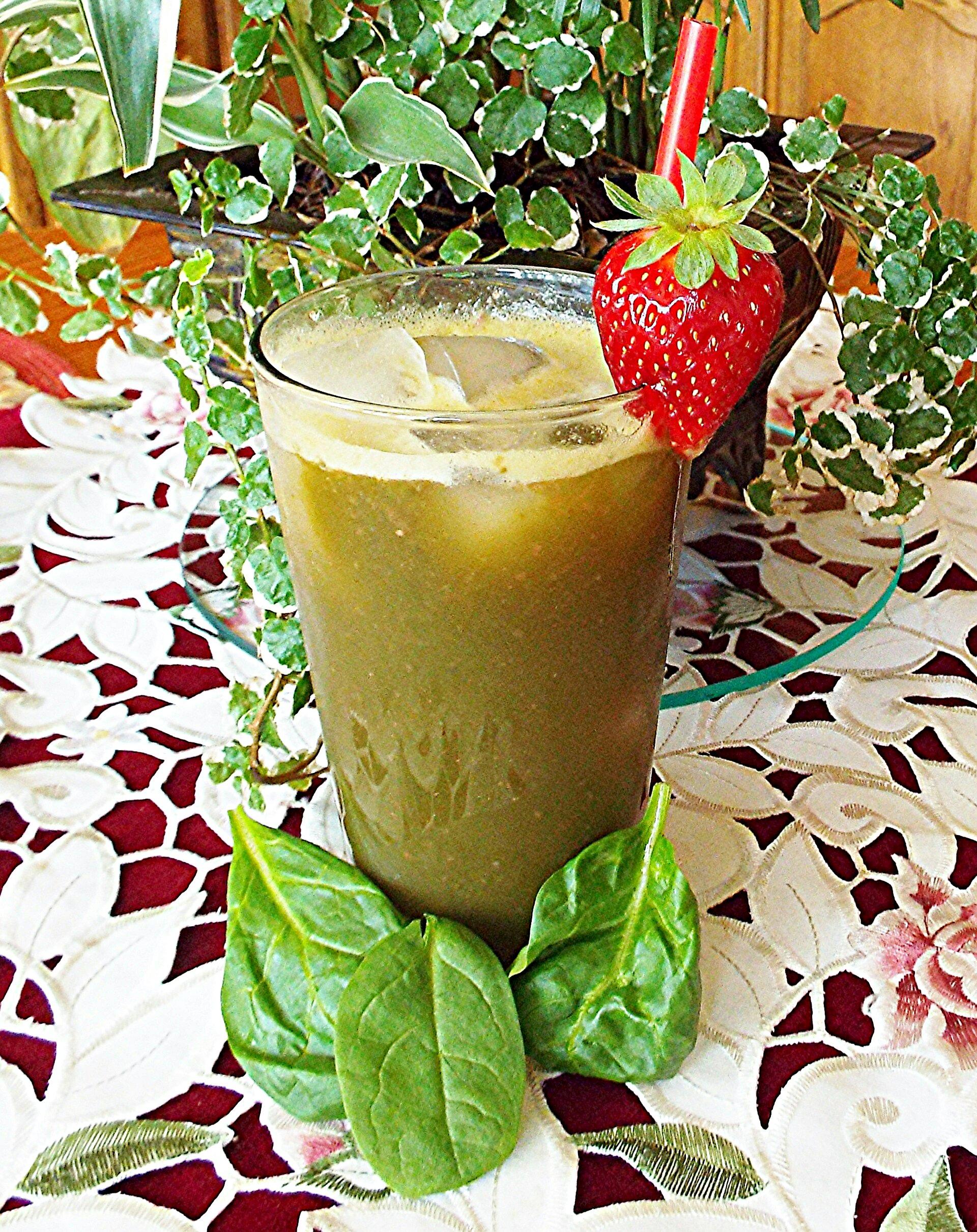 Spinach Strawberry Agua Fresca Yoly