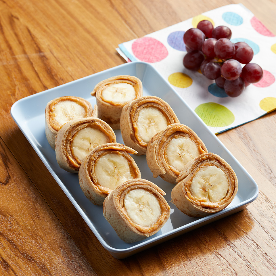 These healthy roll-ups with peanut butter and bananas make eating lunch fun! Kids will love the bite-sized version of this sandwich. Try sunflower seed butter as an allergy-friendly alternative. Source: EatingWell.com, June 2017