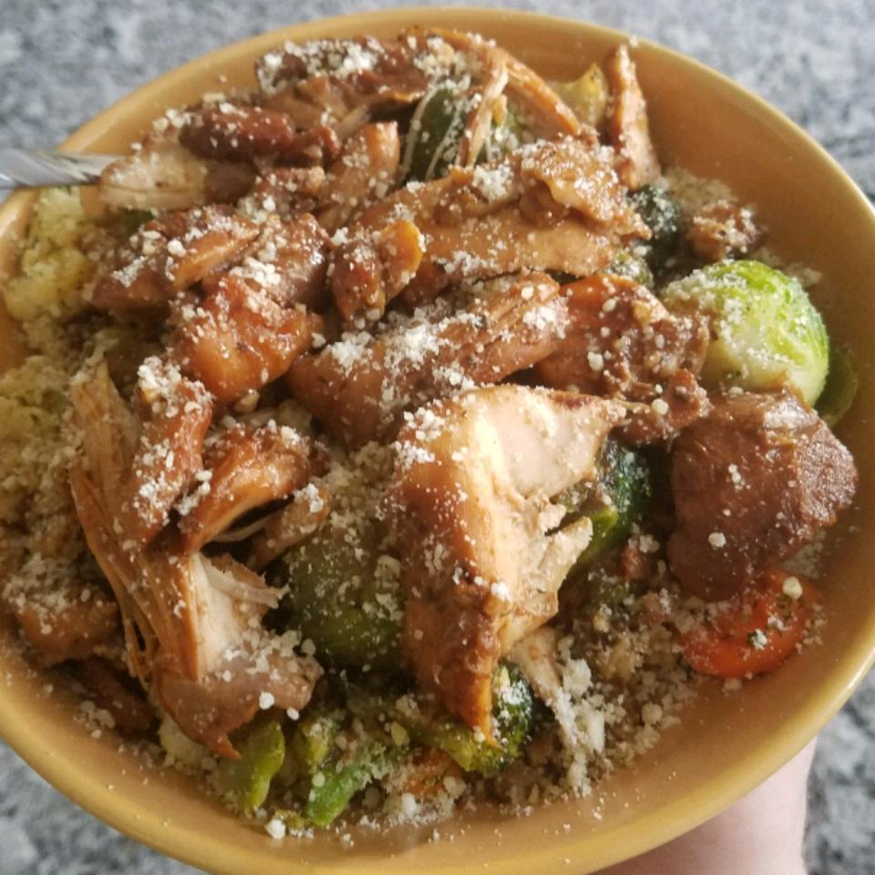 Honey-Garlic Slow Cooker Chicken Thighs D.O.