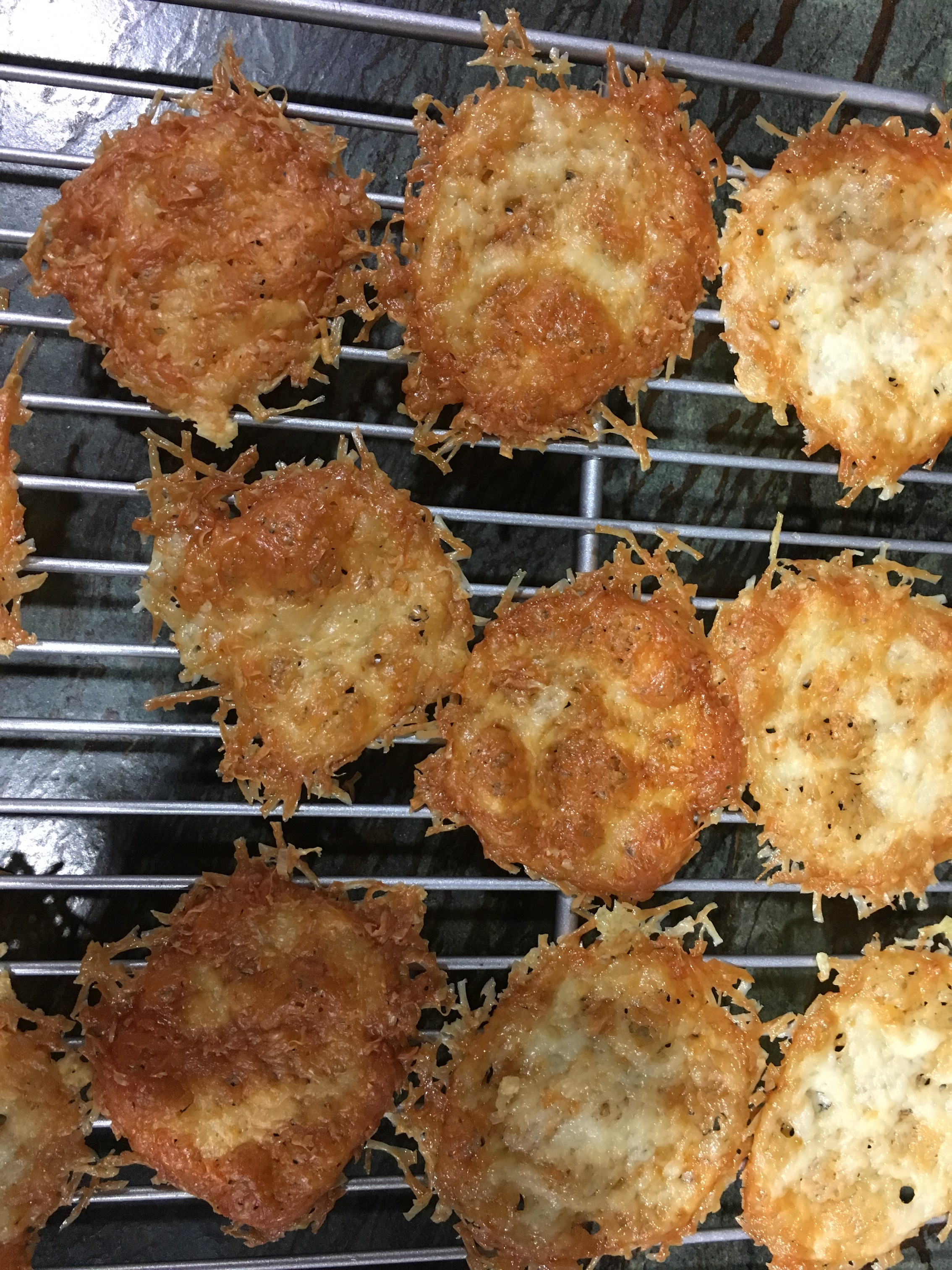 Rosemary Garlic Parmesan Crisps LCL77