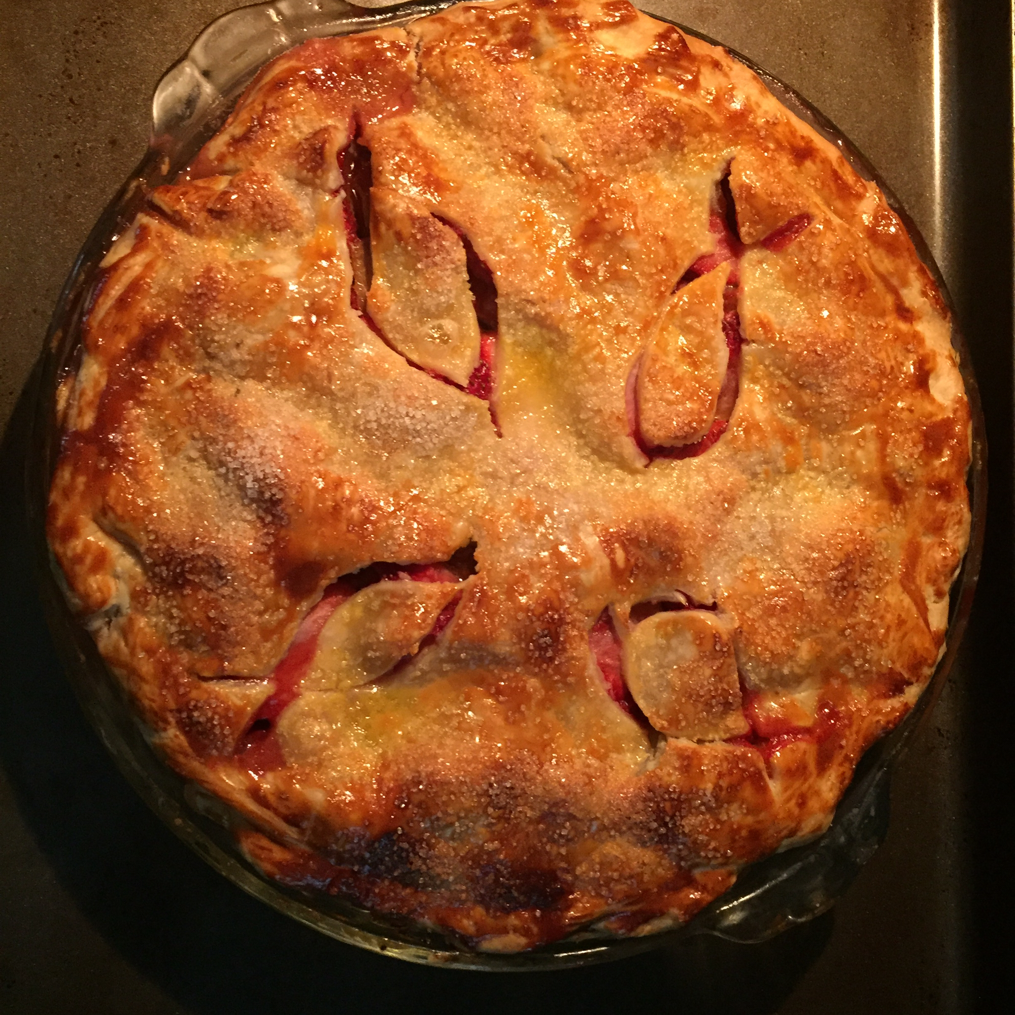 Rhubarb and Strawberry Pie ering