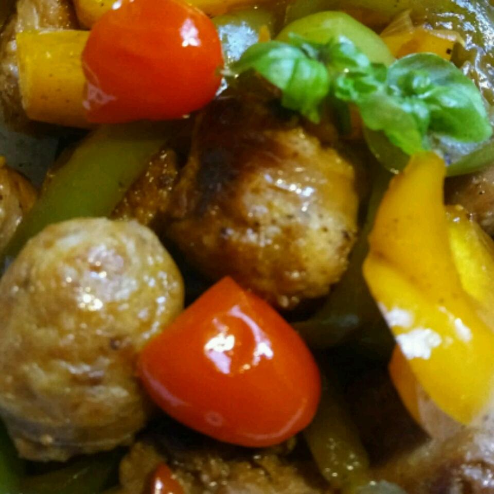 Easy Skillet Sausage and Vegetables Lindeeloo