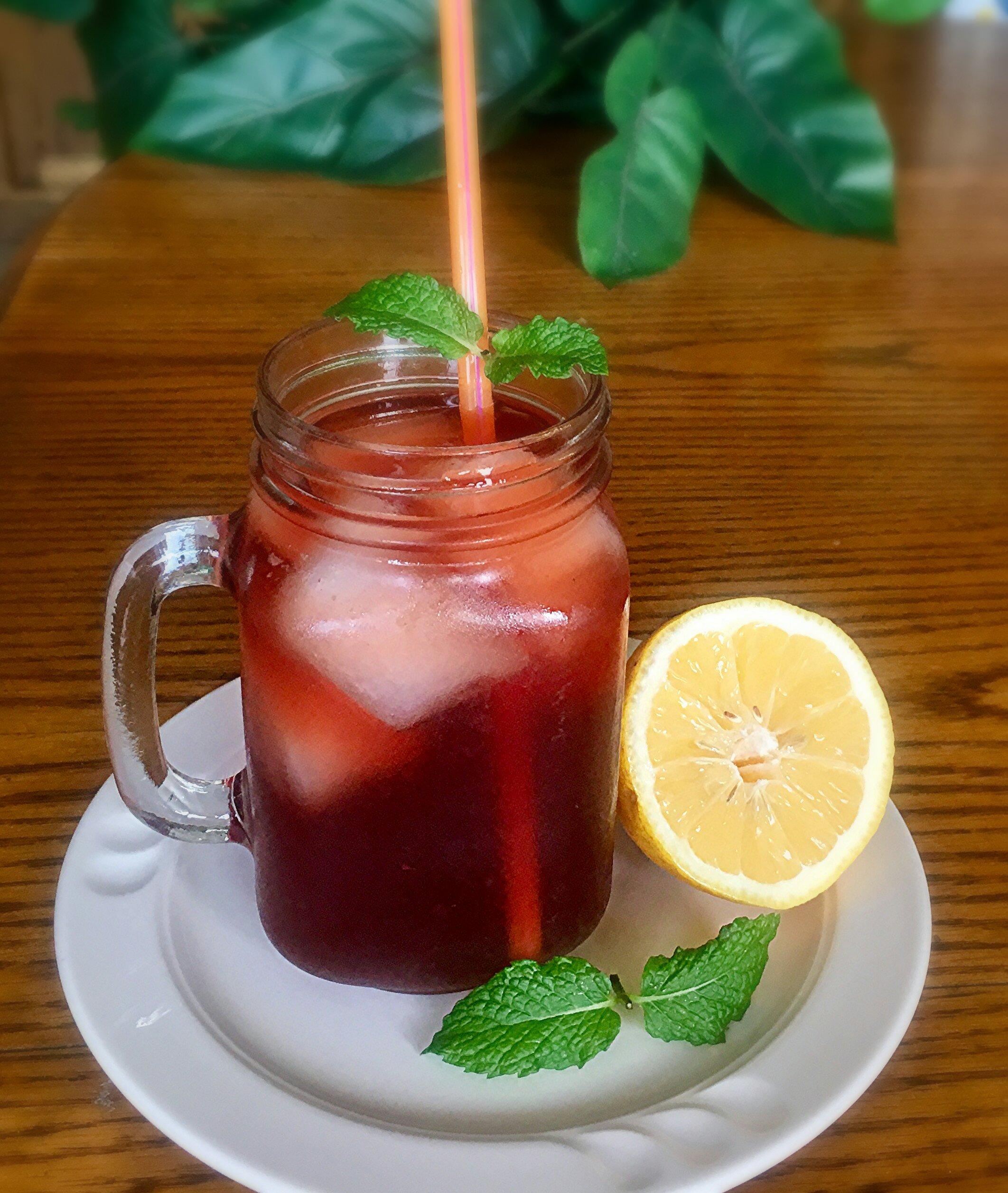 Grandma's Lemon Mint Ice Tea