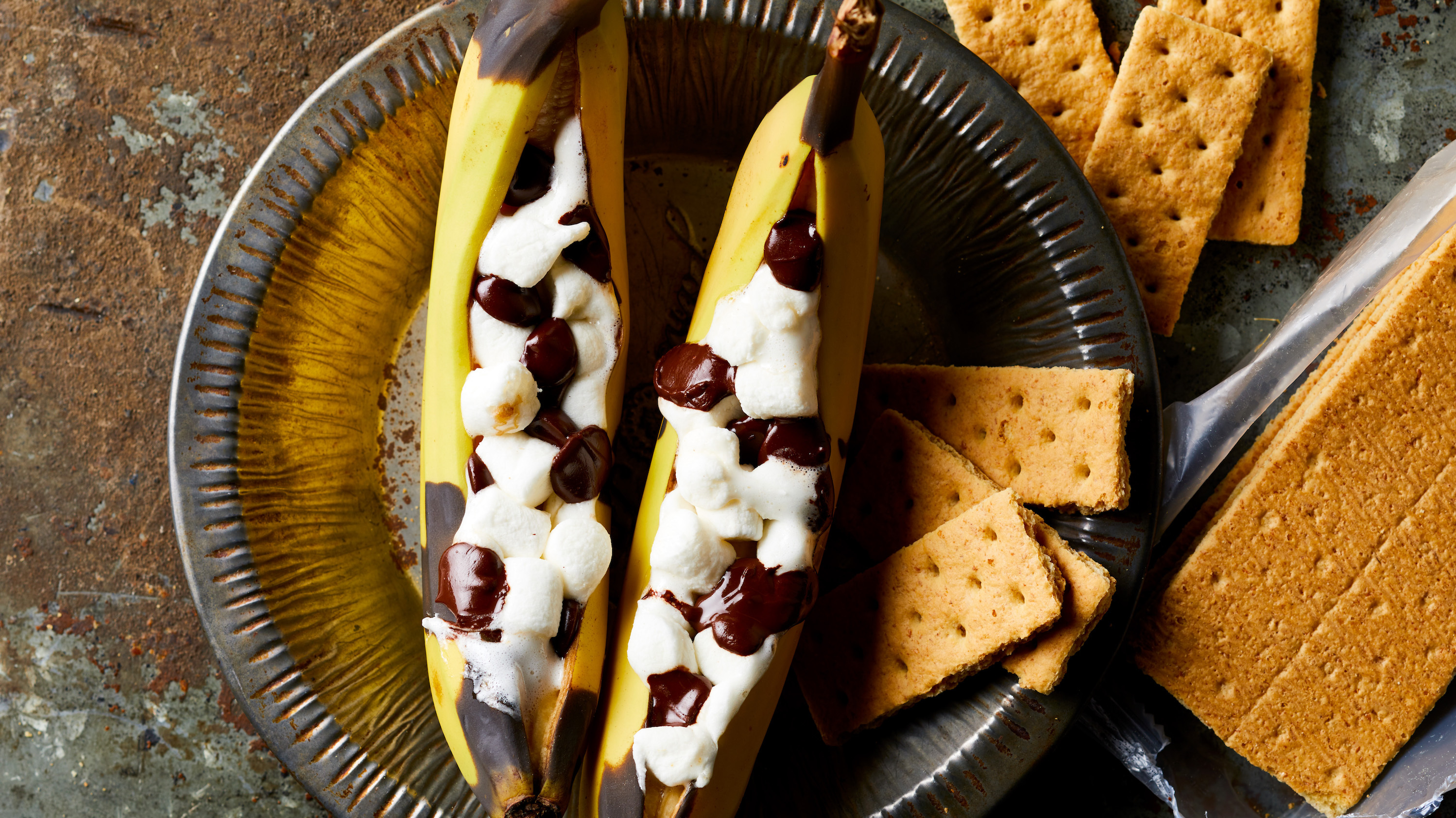 Campfire Banana S'mores Trusted Brands