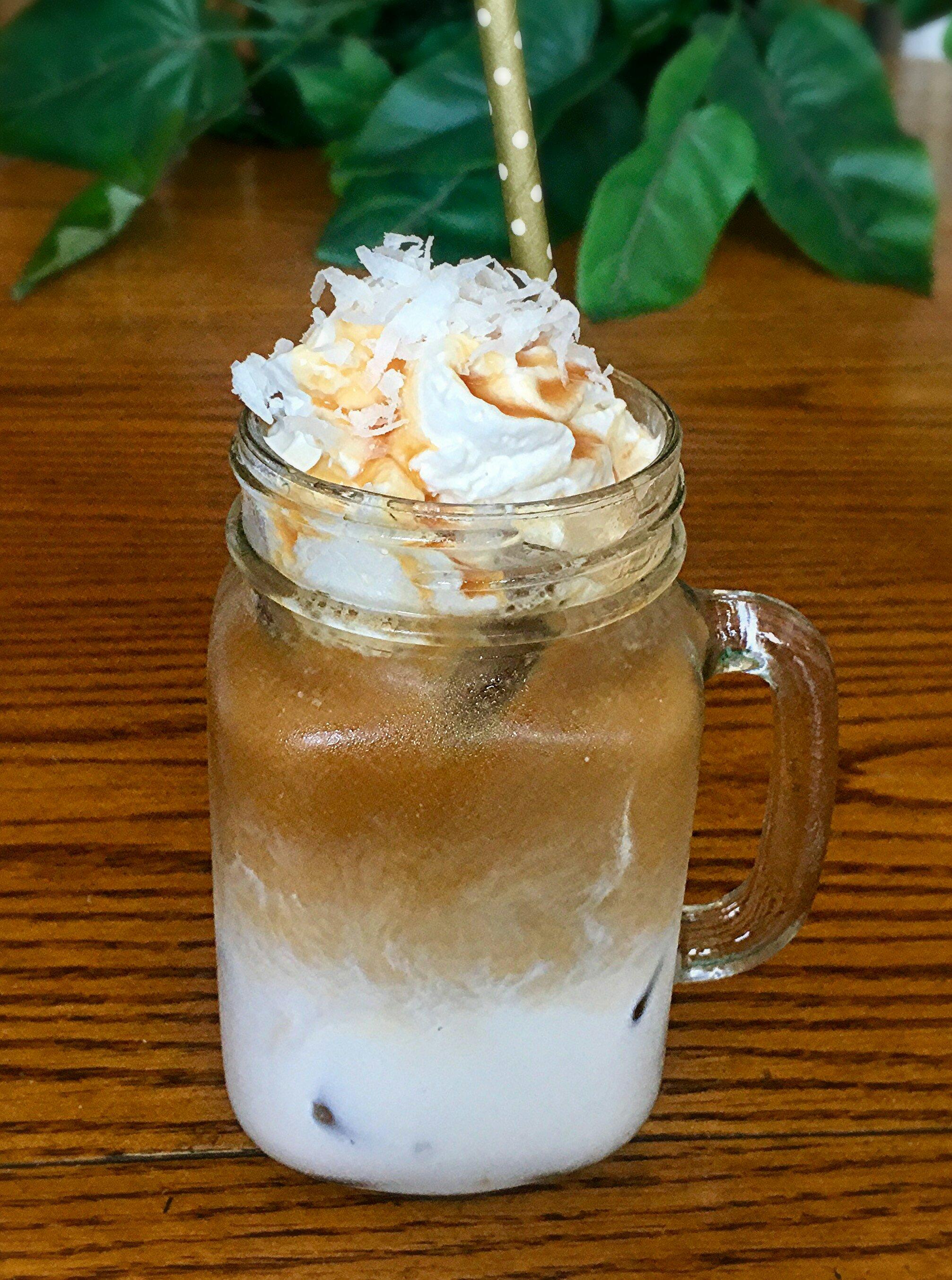 Caramel-Coconut Iced Coffee Yoly