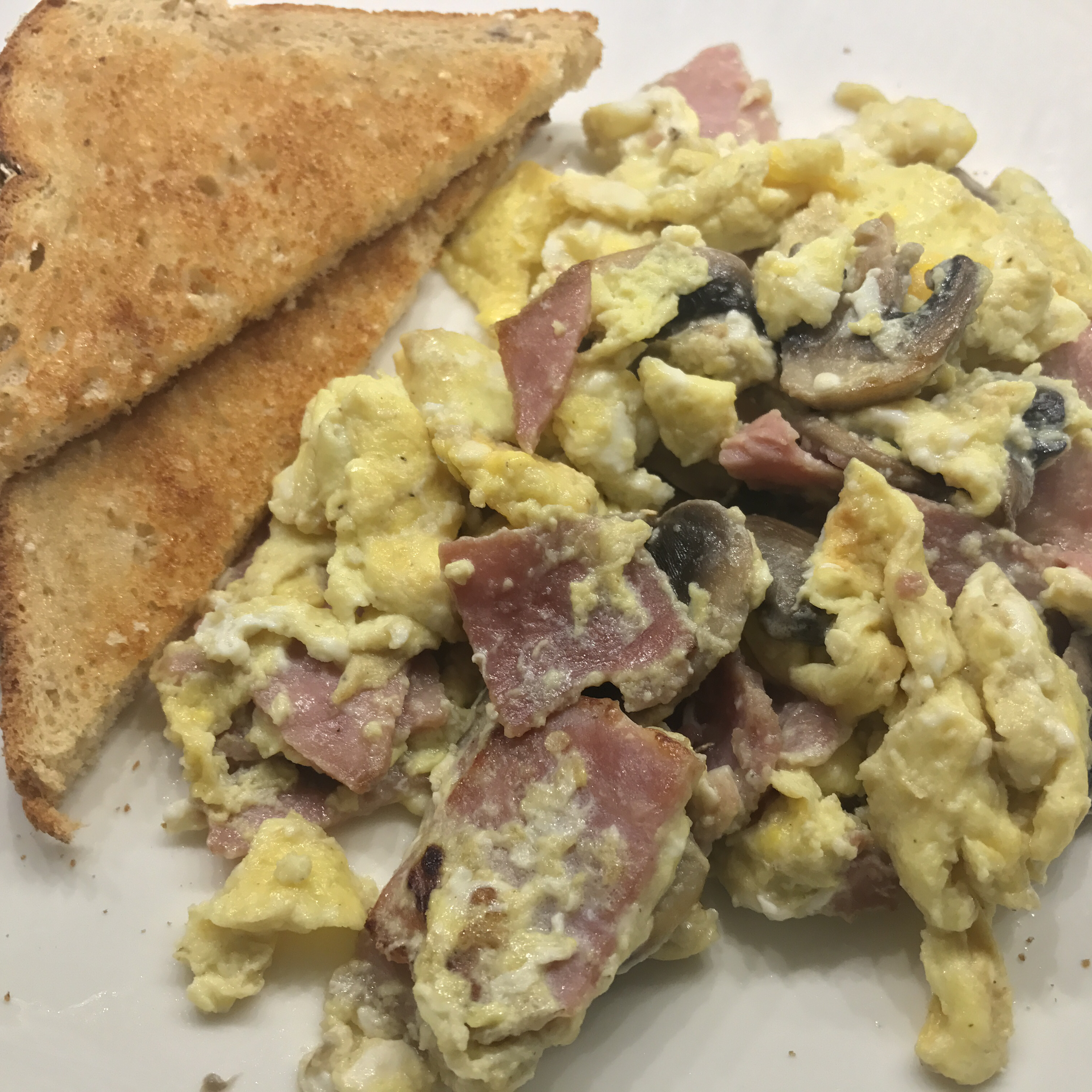 Creamy Cottage Cheese Scrambled Eggs