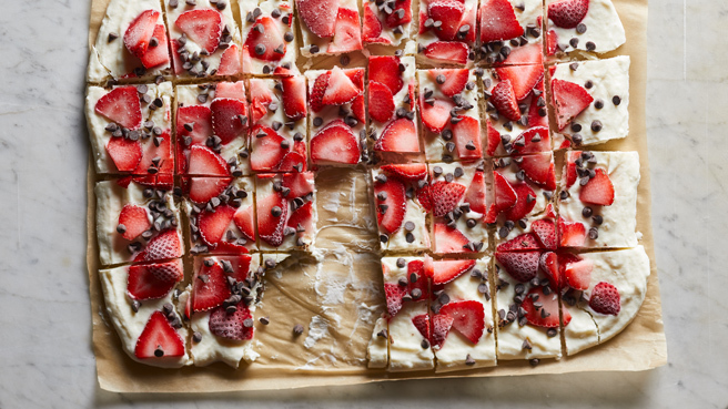 Strawberry-Chocolate Greek Yogurt Bark