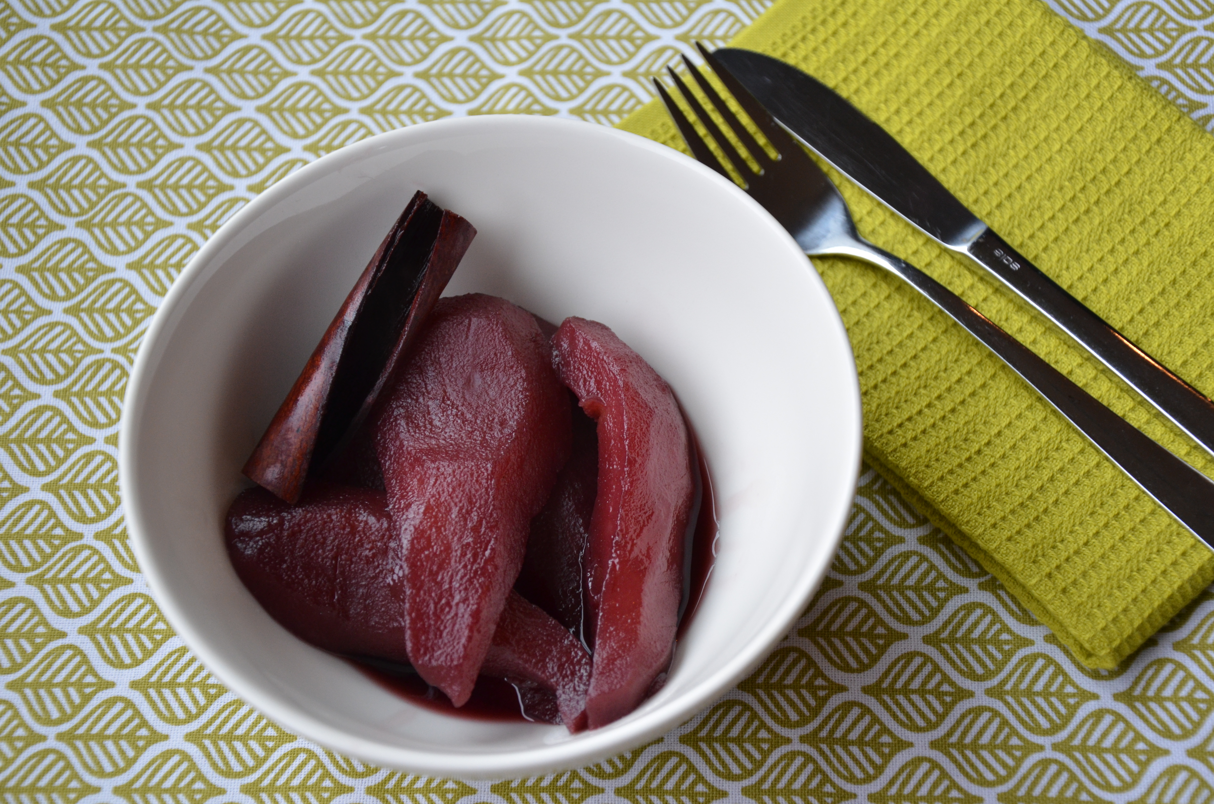 Stoofperen met Rode Wijn (Red Wine-Poached Pears)
