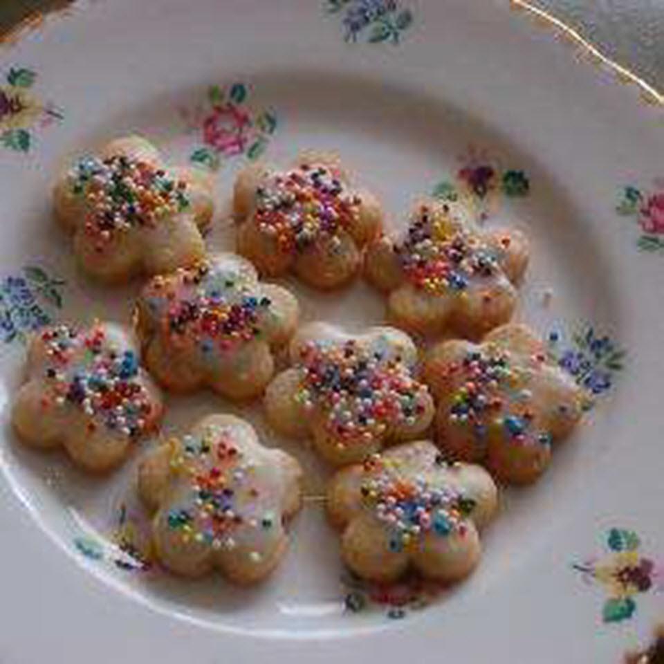 Easy German Cut-Out Cookies barbara
