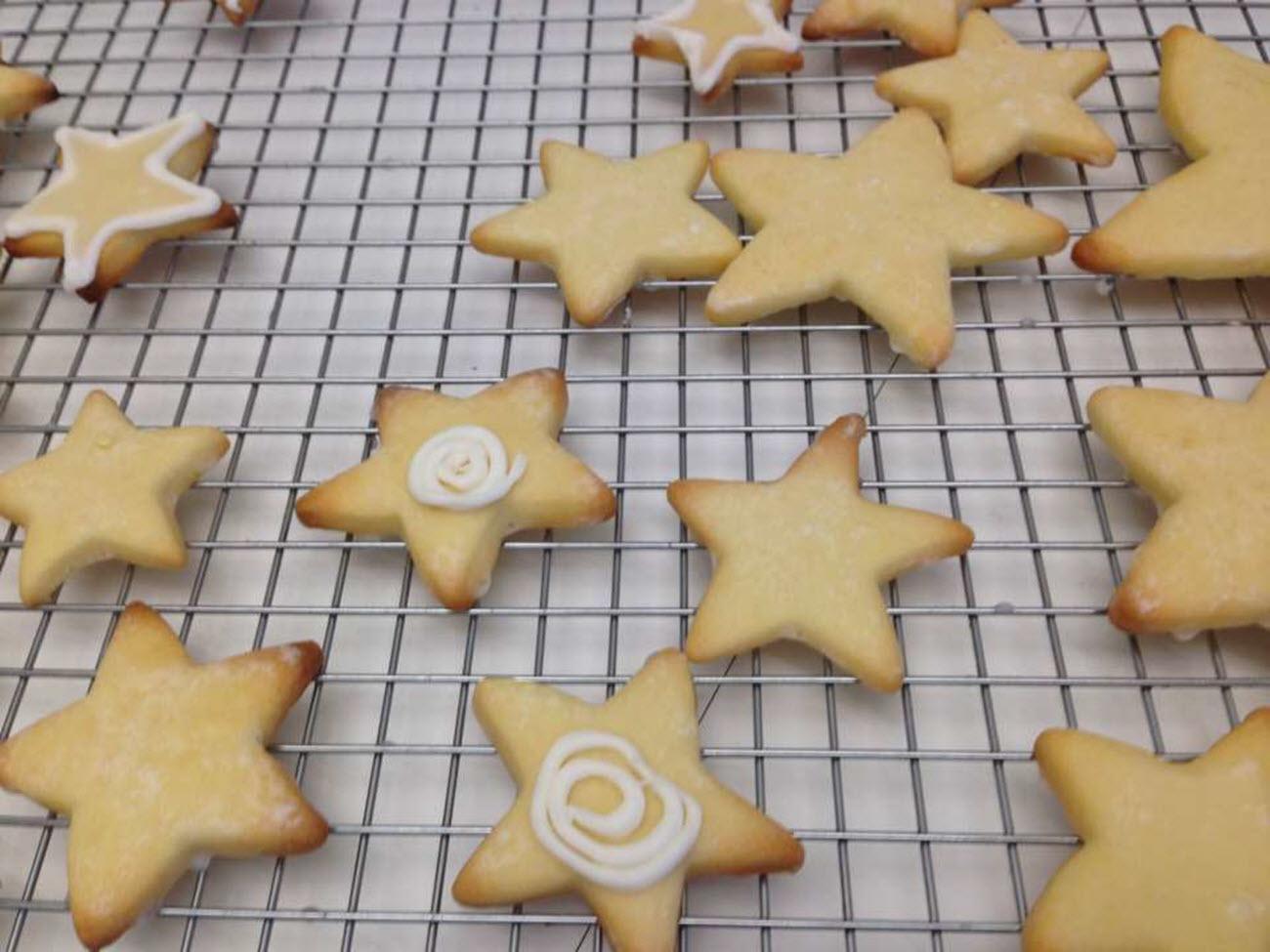 Easy German Cut-Out Cookies