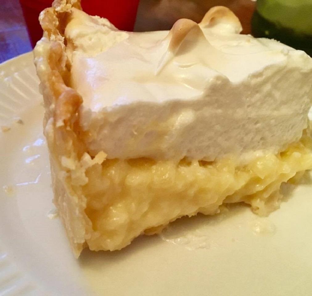 Grandma T's Pineapple Cream Pie