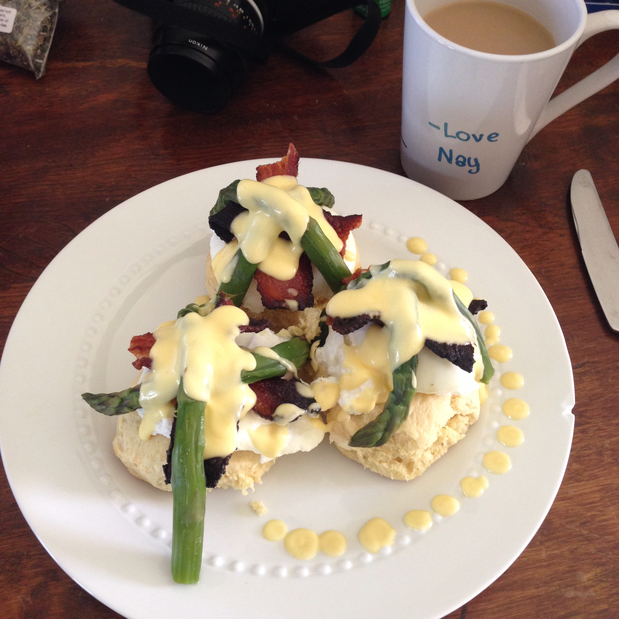 Honeymoon Eggs Benedict ENassy
