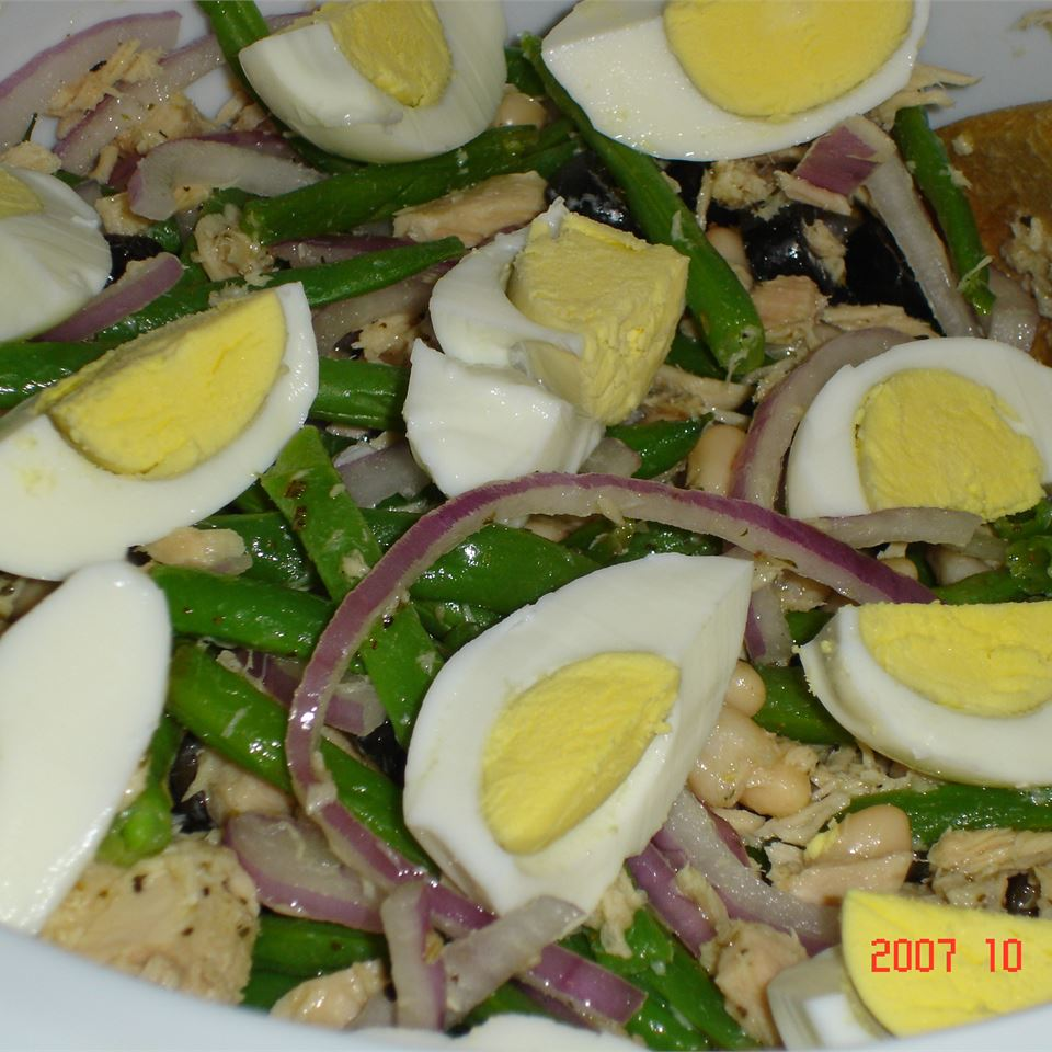 Nicoise-Style Tuna Salad With White Beans & Olives MOLLE888