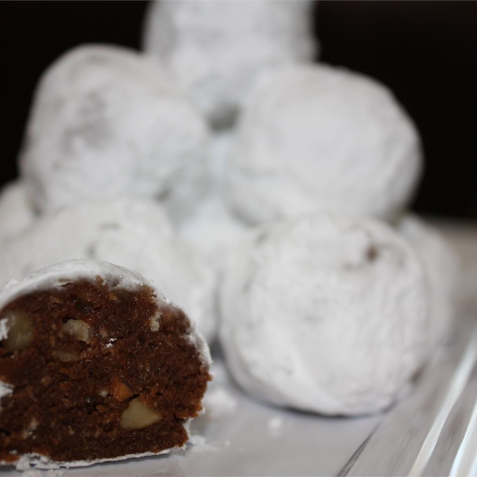 Chocolate Rum Balls I footballgrl16