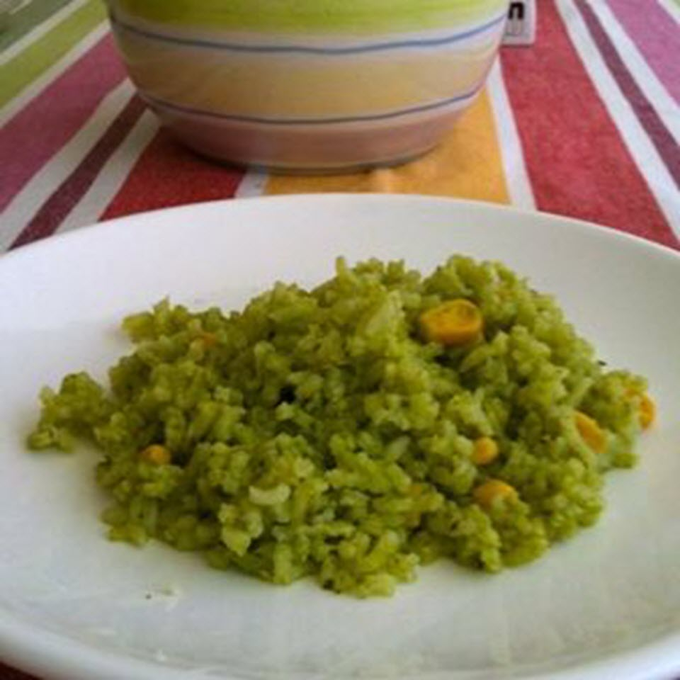 Arroz Verde (Green Rice with Cilantro)