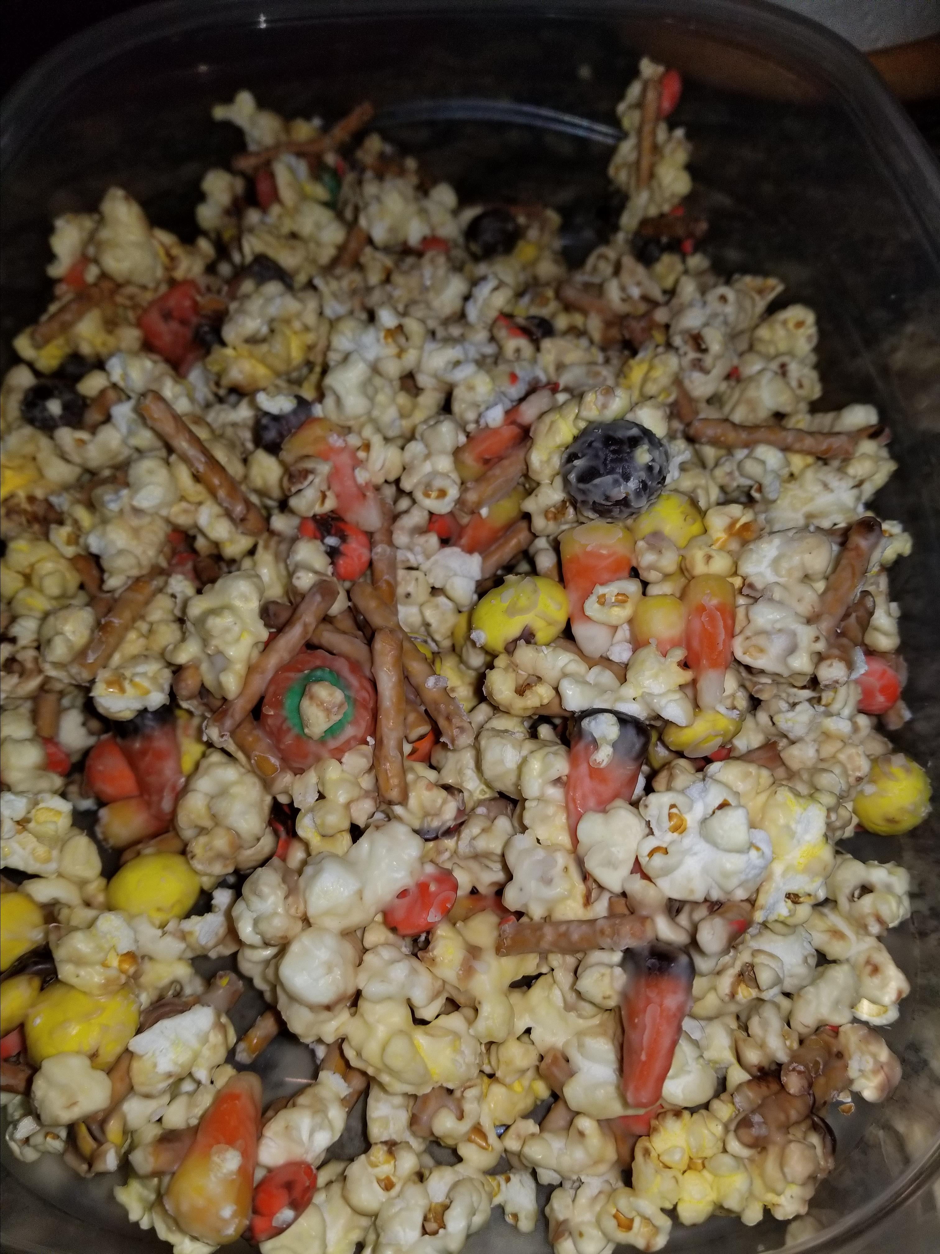 Malted White Chocolate Popcorn with Robin's Eggs InTheCouve