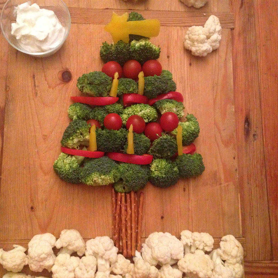 Vegetable Christmas Tree with Broccoli barbara