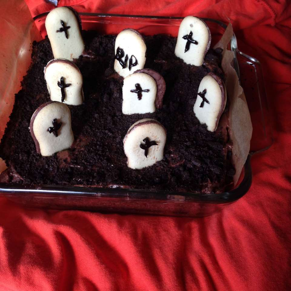Graveyard Cake for Halloween