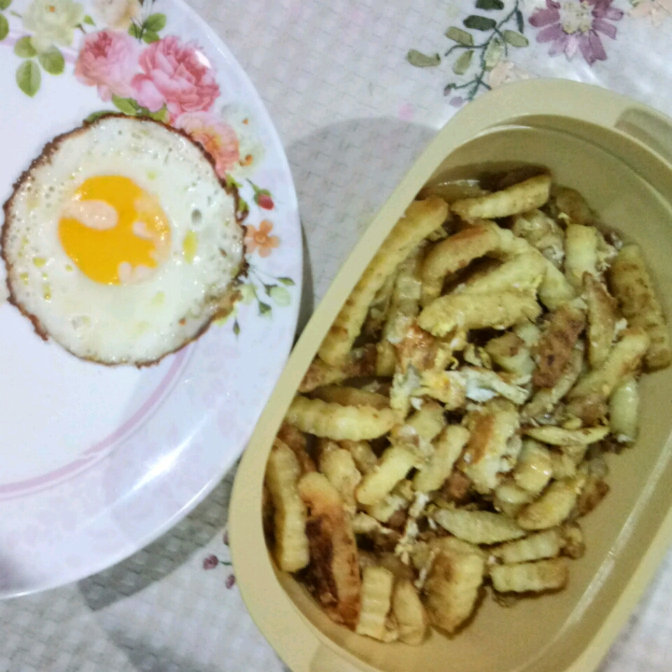 Eggs n' Fries Mohd Addiq Arham Ebrahim