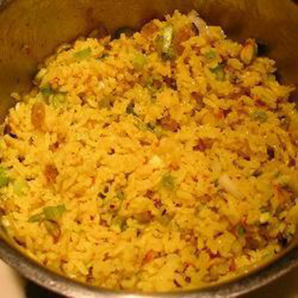 Mediterranean Rice Pilaf with Pistachios and Golden Raisins