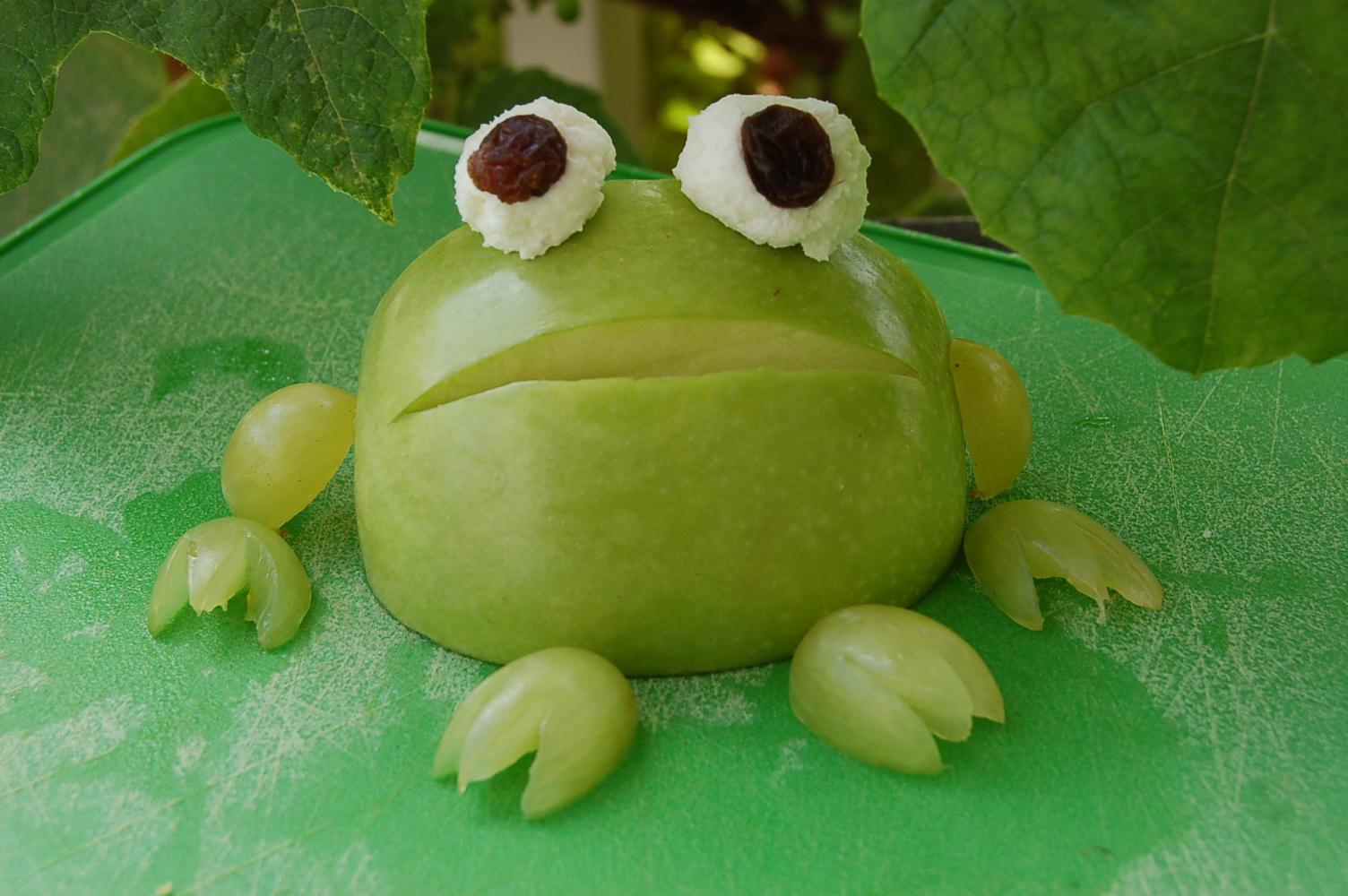 "Recipe creator Barbara says, ""I saw a frog like this on a hotel buffet and then started making them for my kids at home as a fun, cute snack that is also healthy!"""