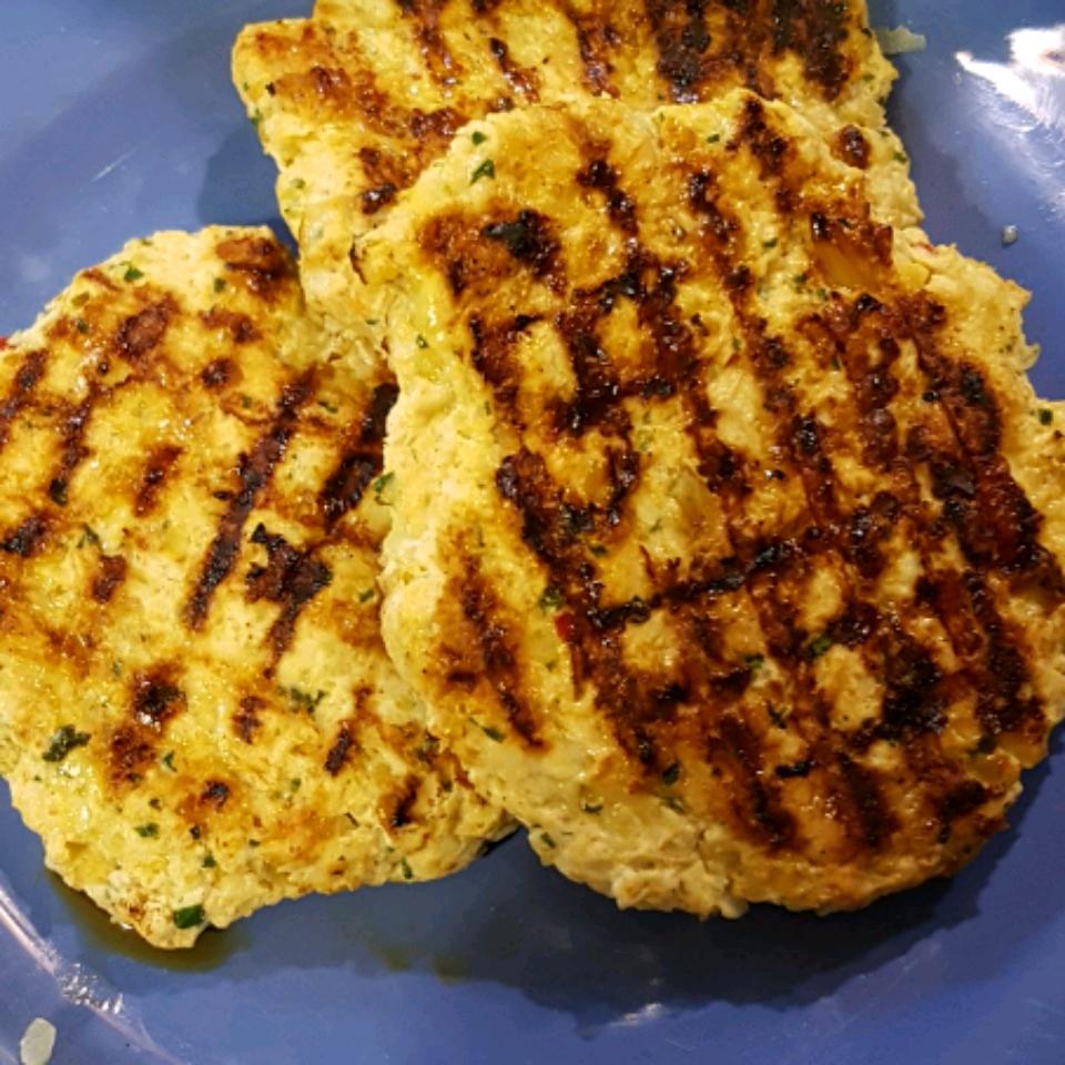 Chicken Cheddar and Guacamole Burgers Cansu Inal Kaynar