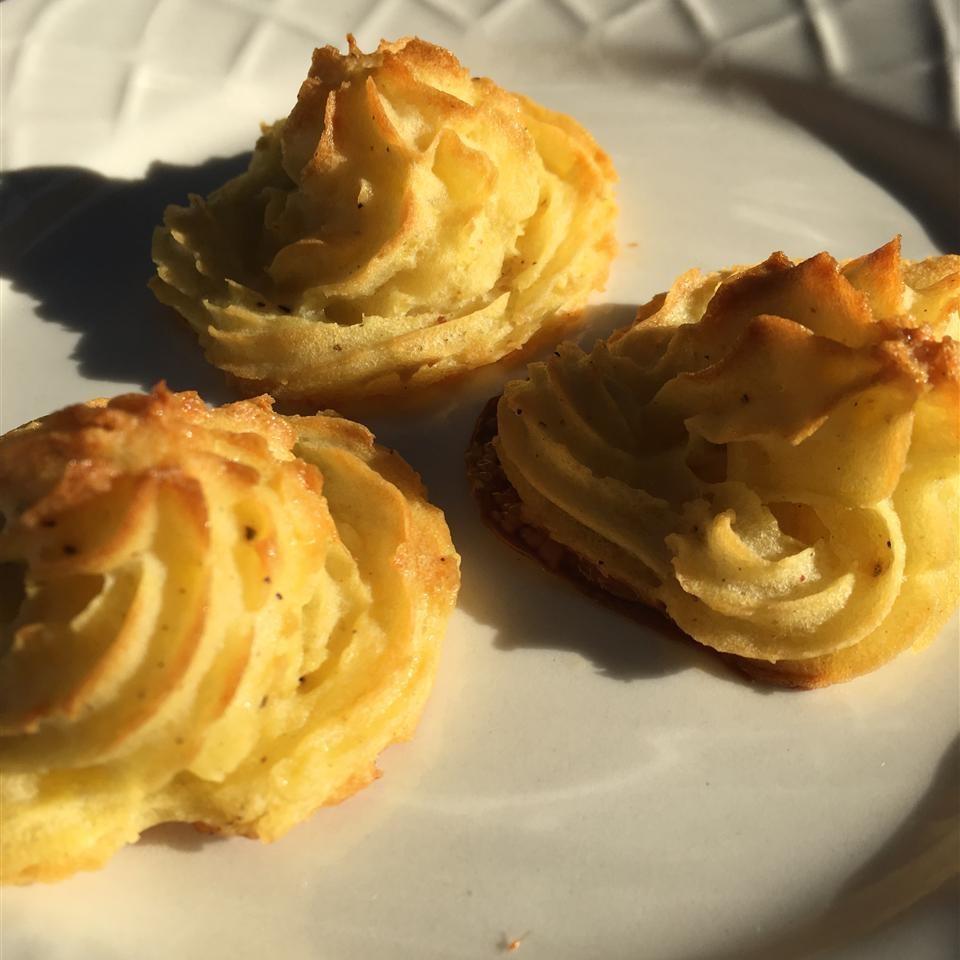 Duchess Potatoes image