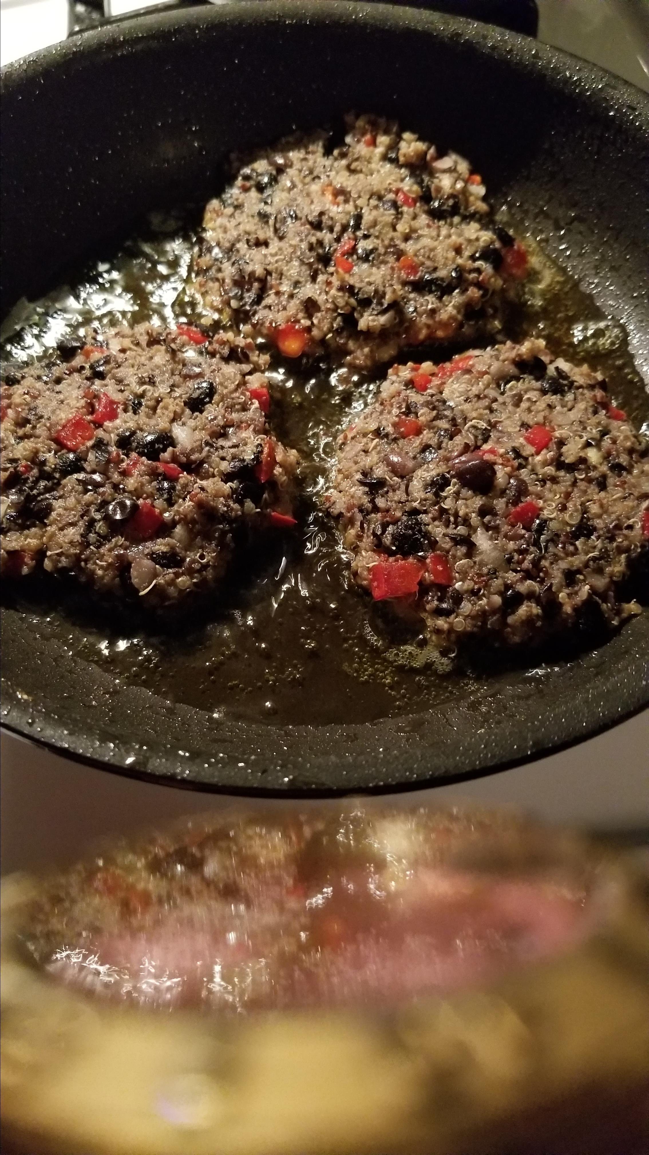 Quinoa Black Bean Burgers RayZ