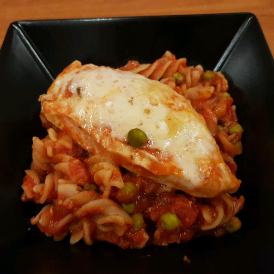Skillet Chicken Parmesan from Del Monte® Jana Lašutová