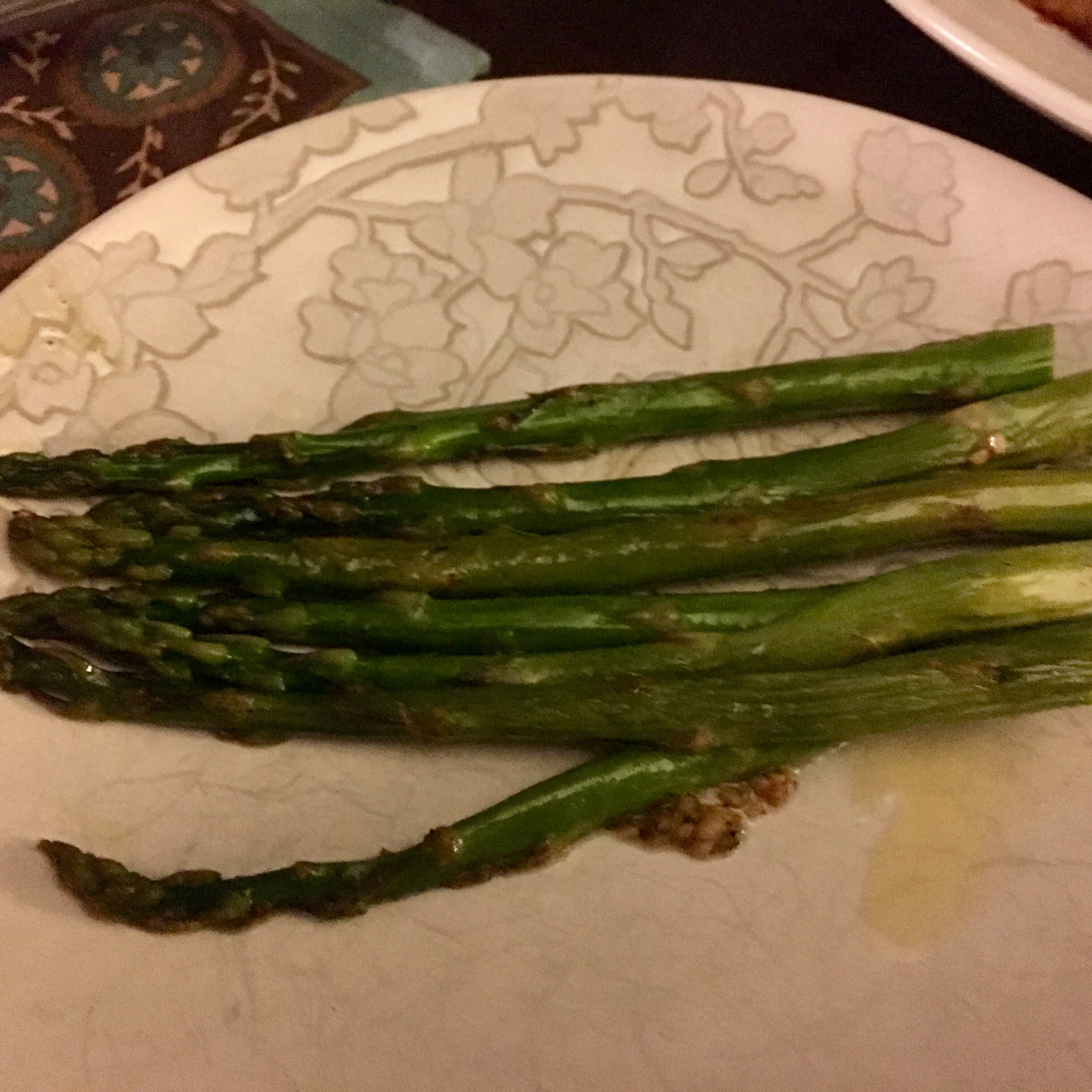 Pan-Fried Asparagus daranee