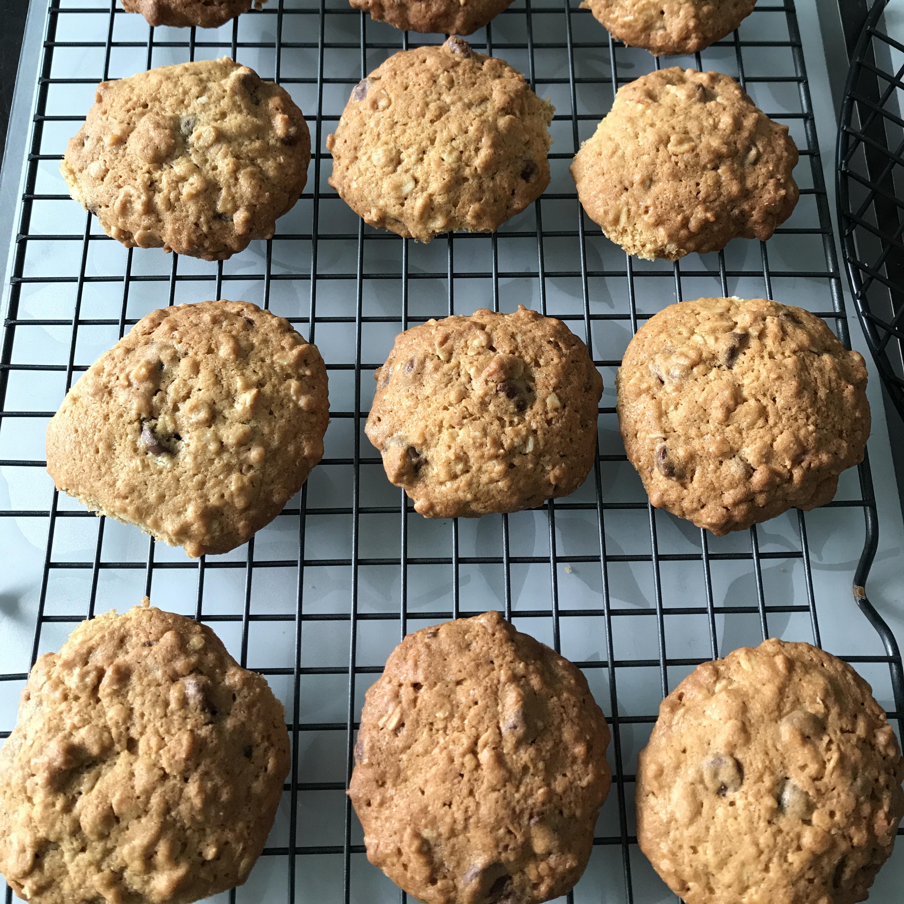 Sunflower Oatmeal Cookies