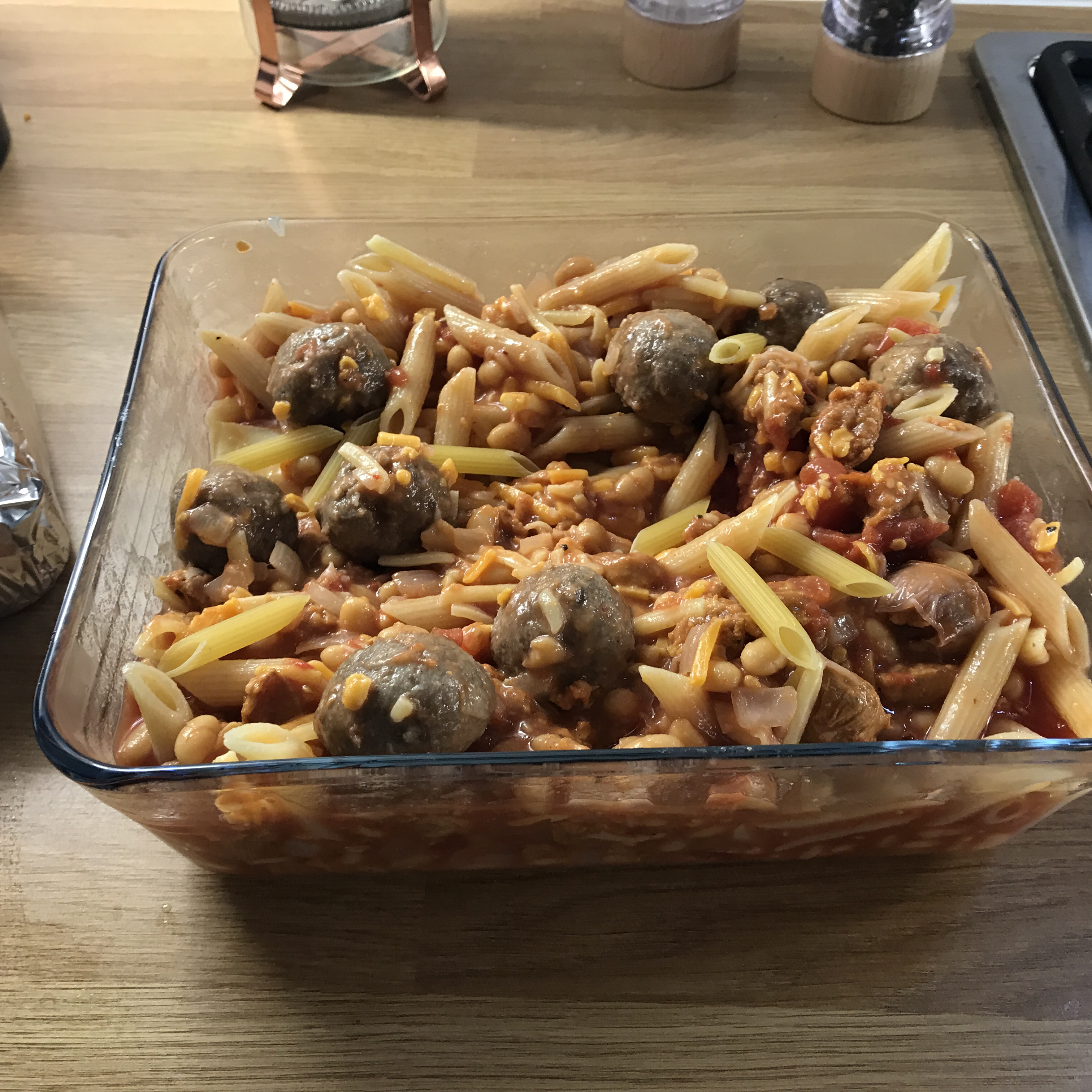 Easy Cheese-Topped Meatball Casserole Chloe Eveline Parsons-Young