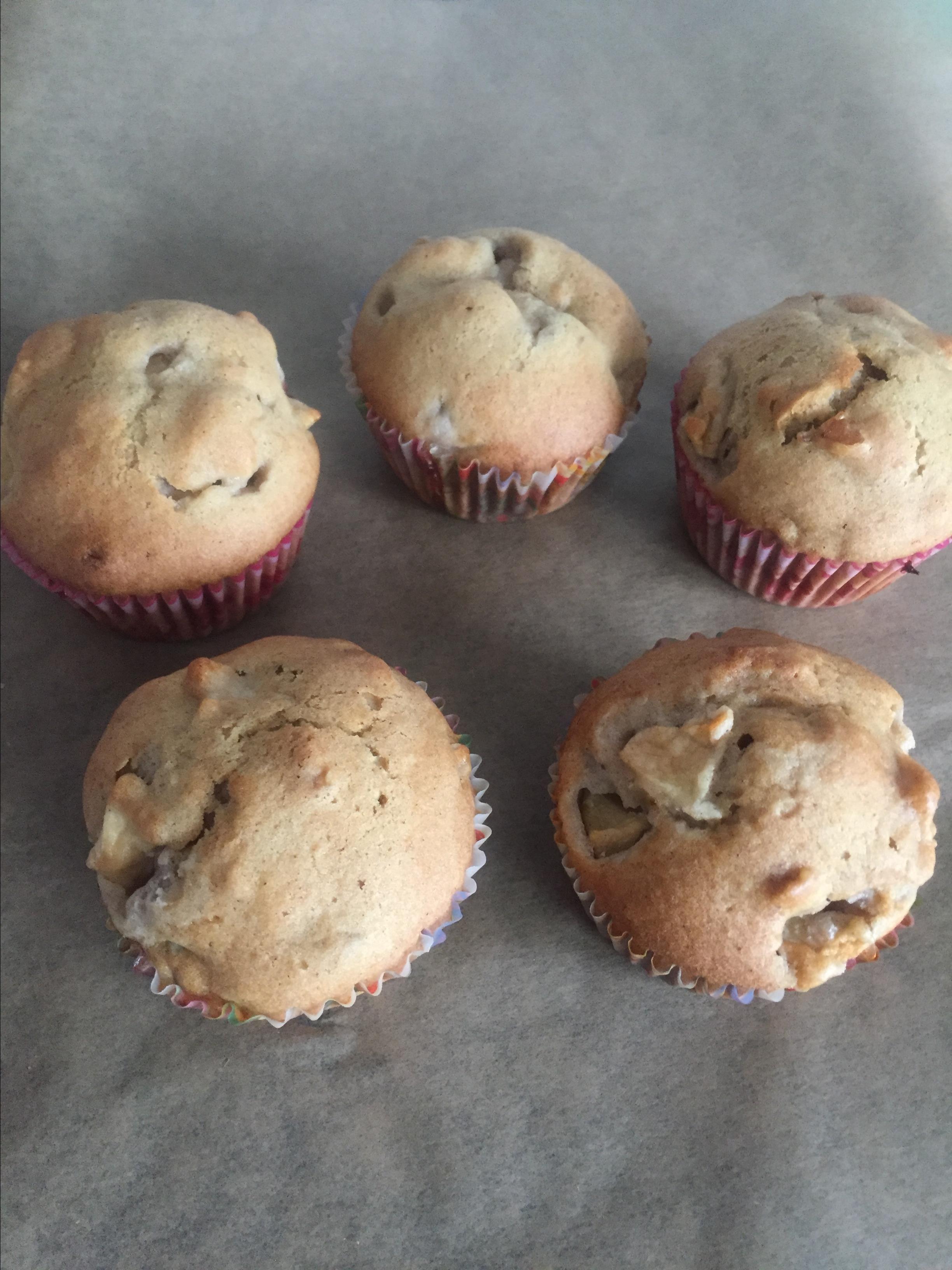 Hunnybunch's Special Apple Muffins Jann Elaine Eleodinmuo