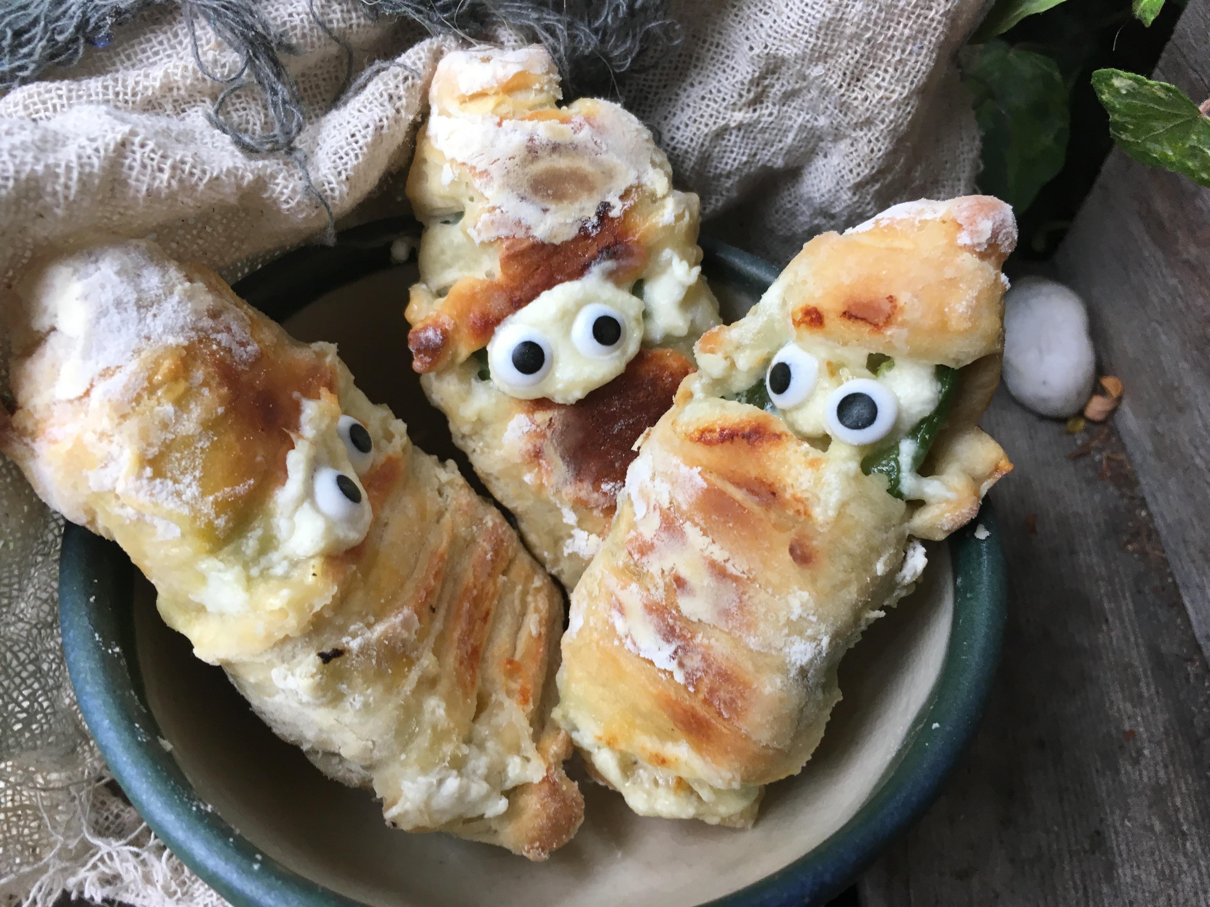 Baked Mummy Jalapeno Poppers barbara