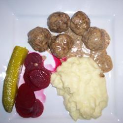 Finnish Meatballs (Lihapyorykoita) GLehtimaki