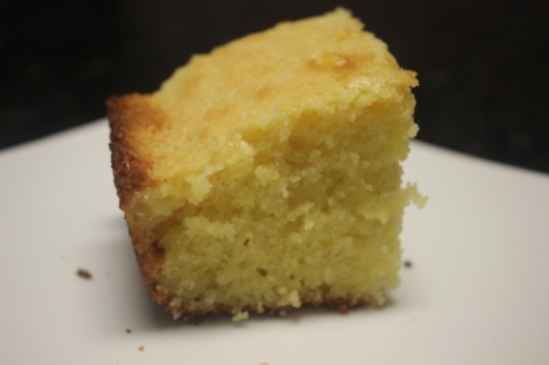 Karen's Sweet Corn Bread mommyluvs2cook