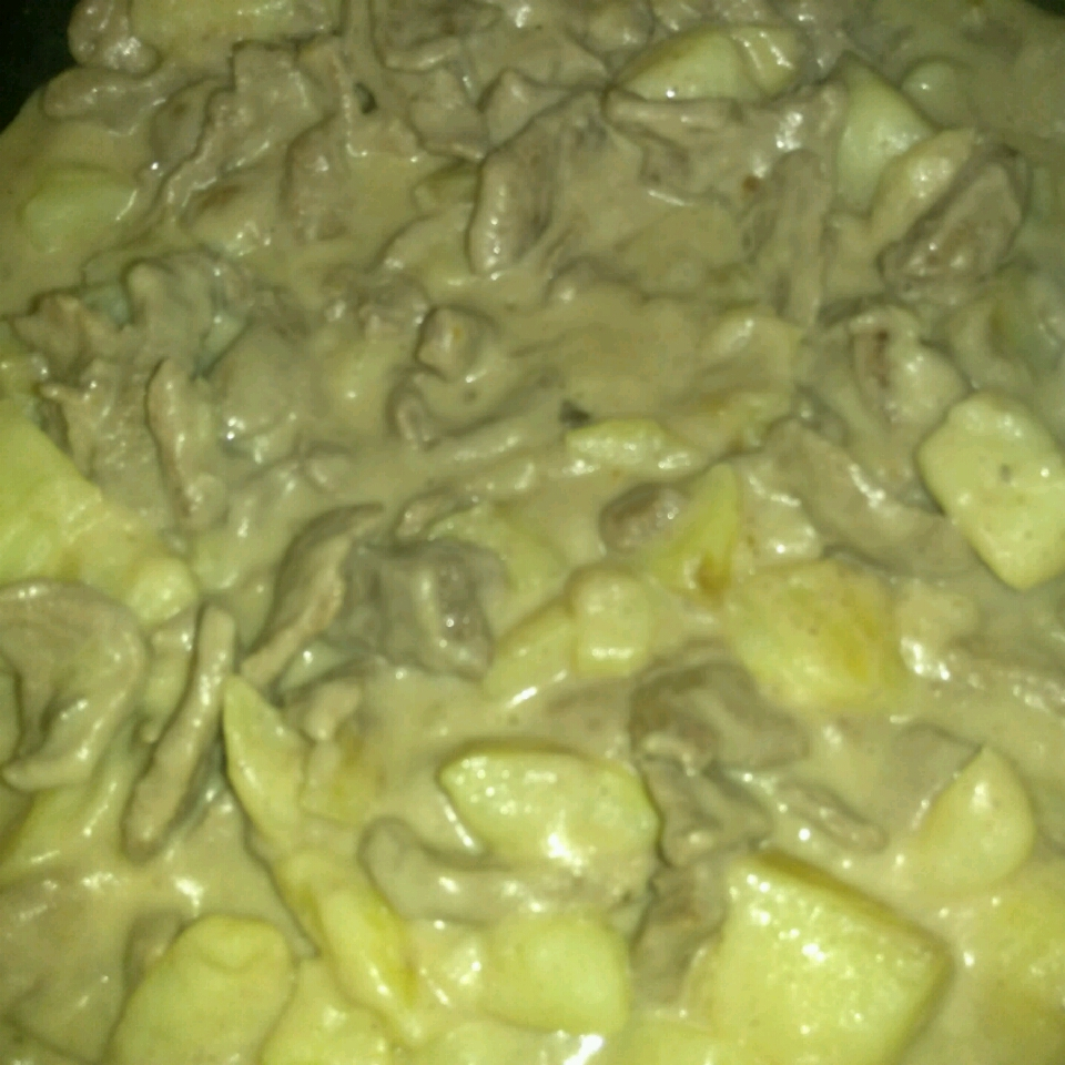 Creamy Sliced Steak and Potatoes