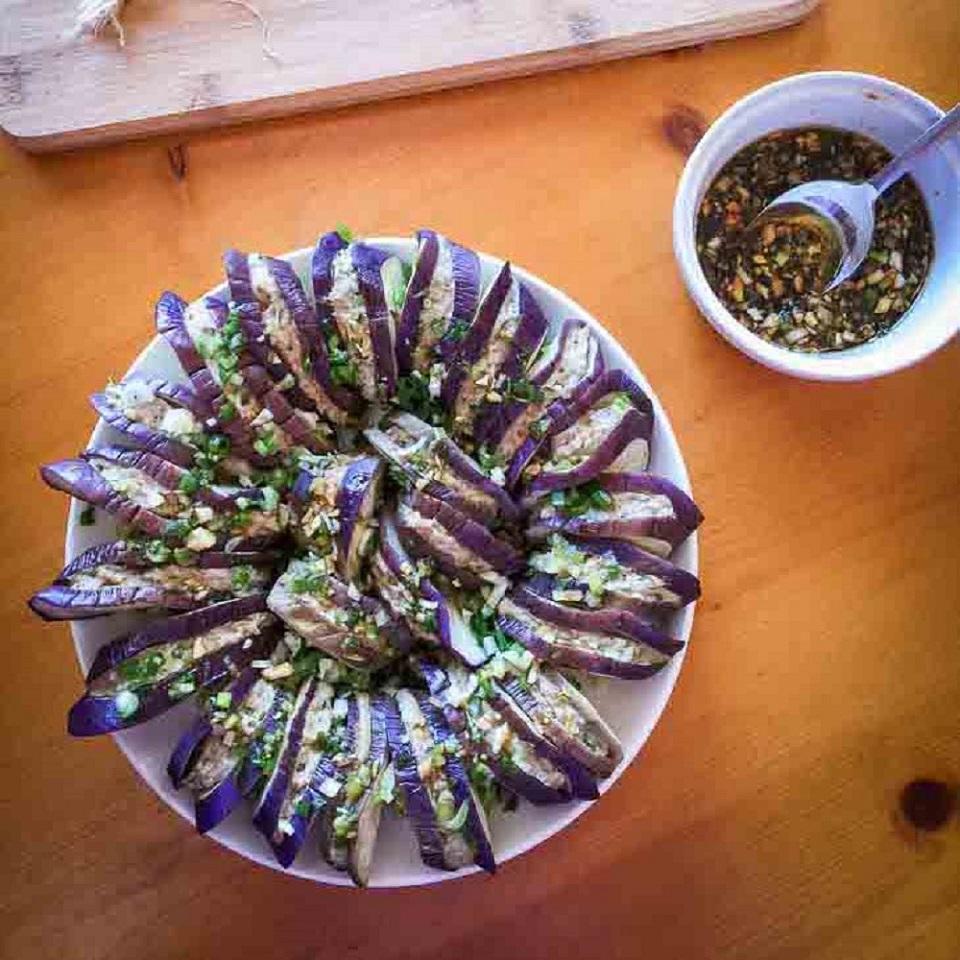 Keto Eggplant Burgers Recipe (Chinese Qiezi He)