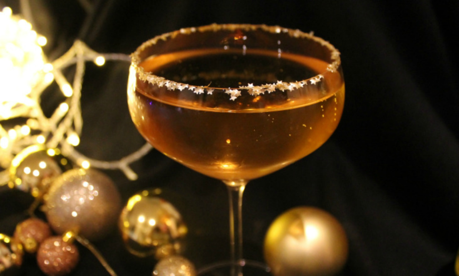 The Golden Bauble Cocktail