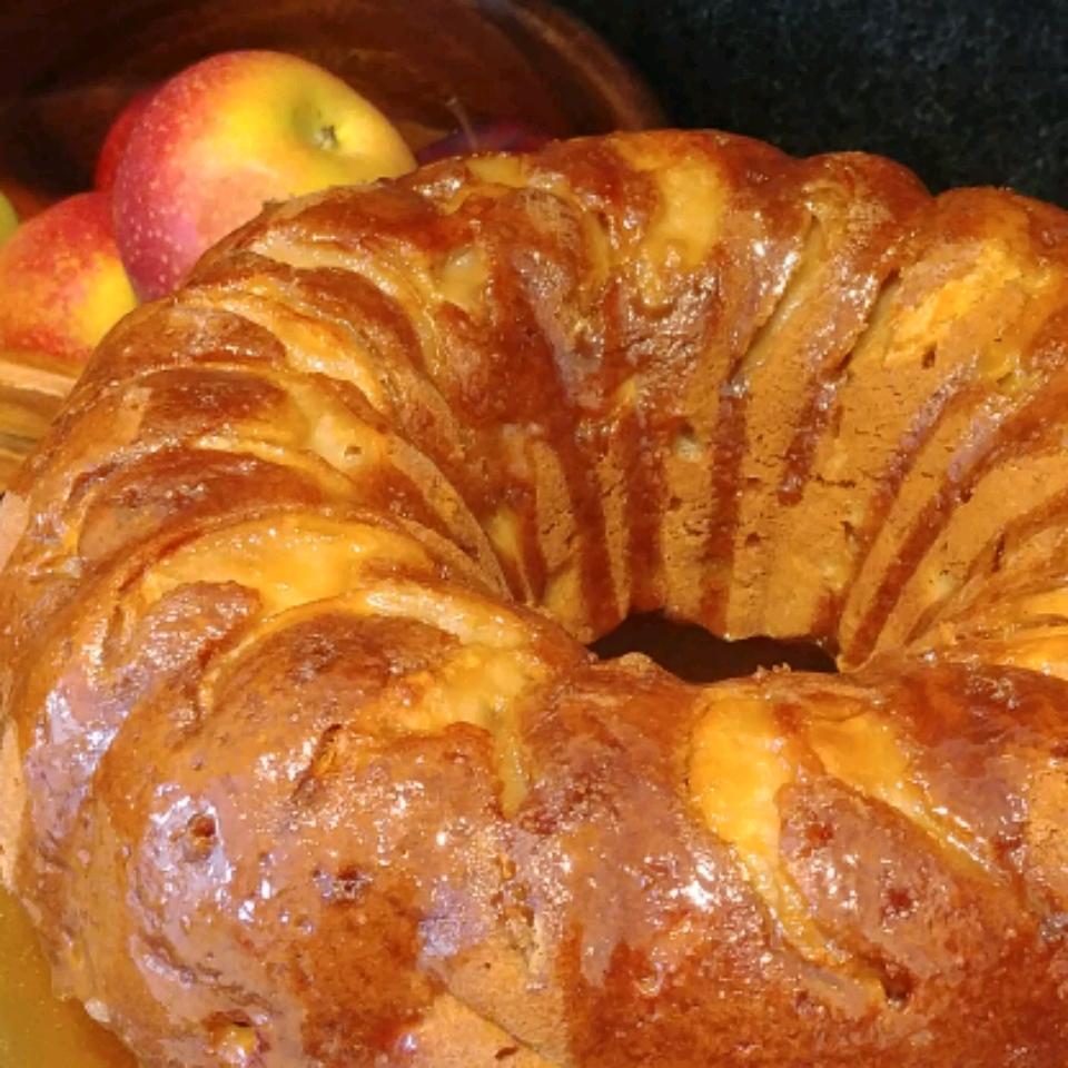 German Apple Dapple Cake