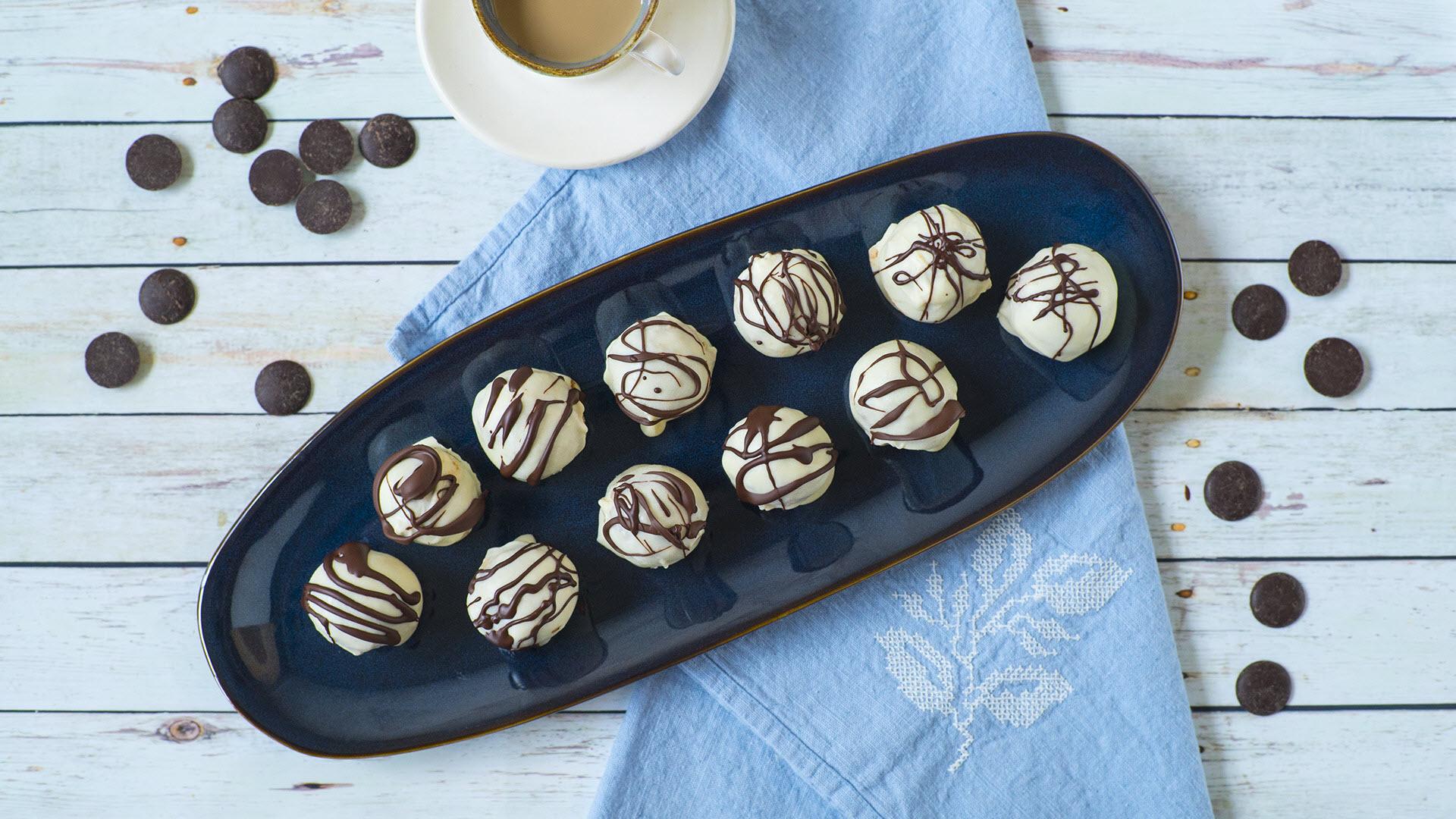 No-Bake Baileys® Cheesecake Balls
