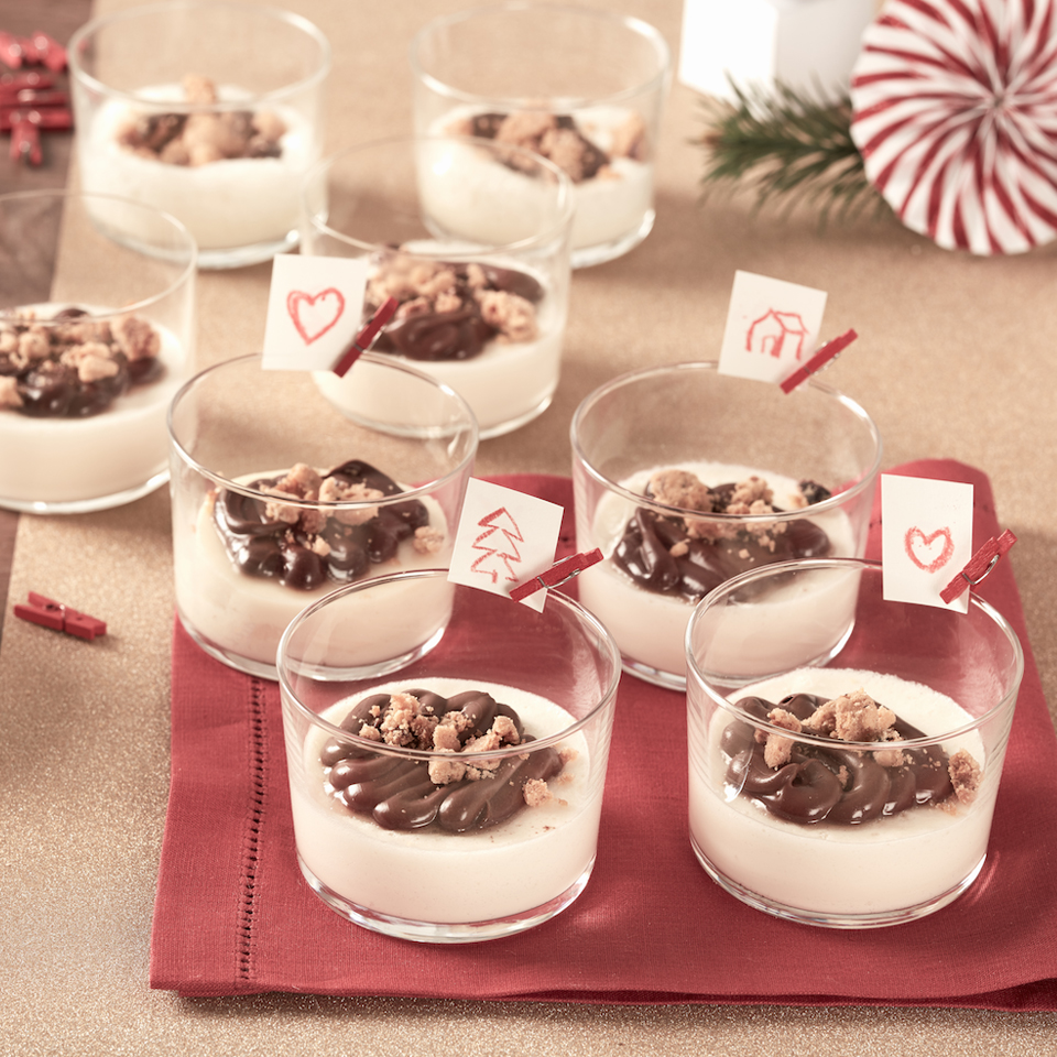 White Mousse with Crumble and Nutella® hazelnut spread