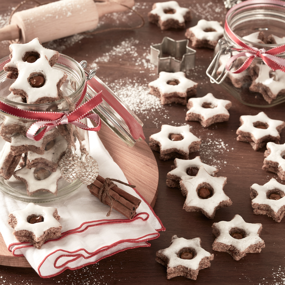 Cinnamon Star Cookies with Nutella® hazelnut spread