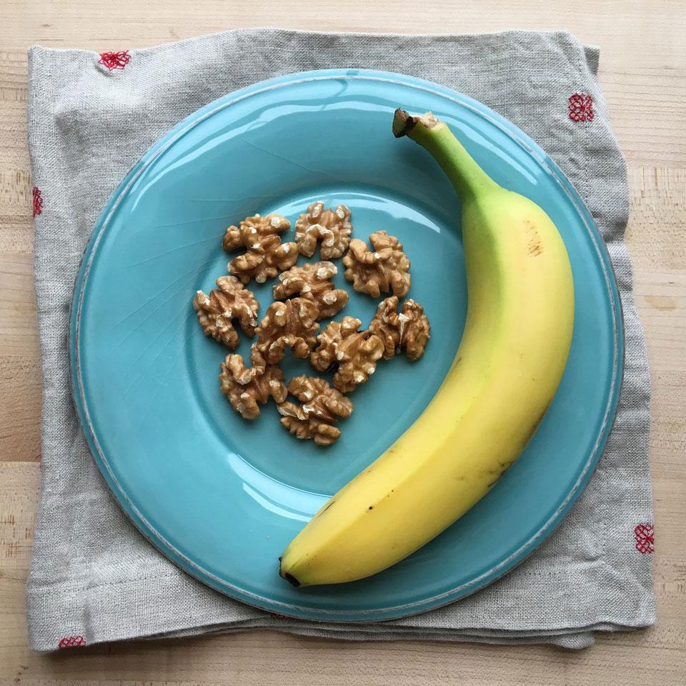 Banana & Walnuts Victoria Seaver, M.S., R.D.