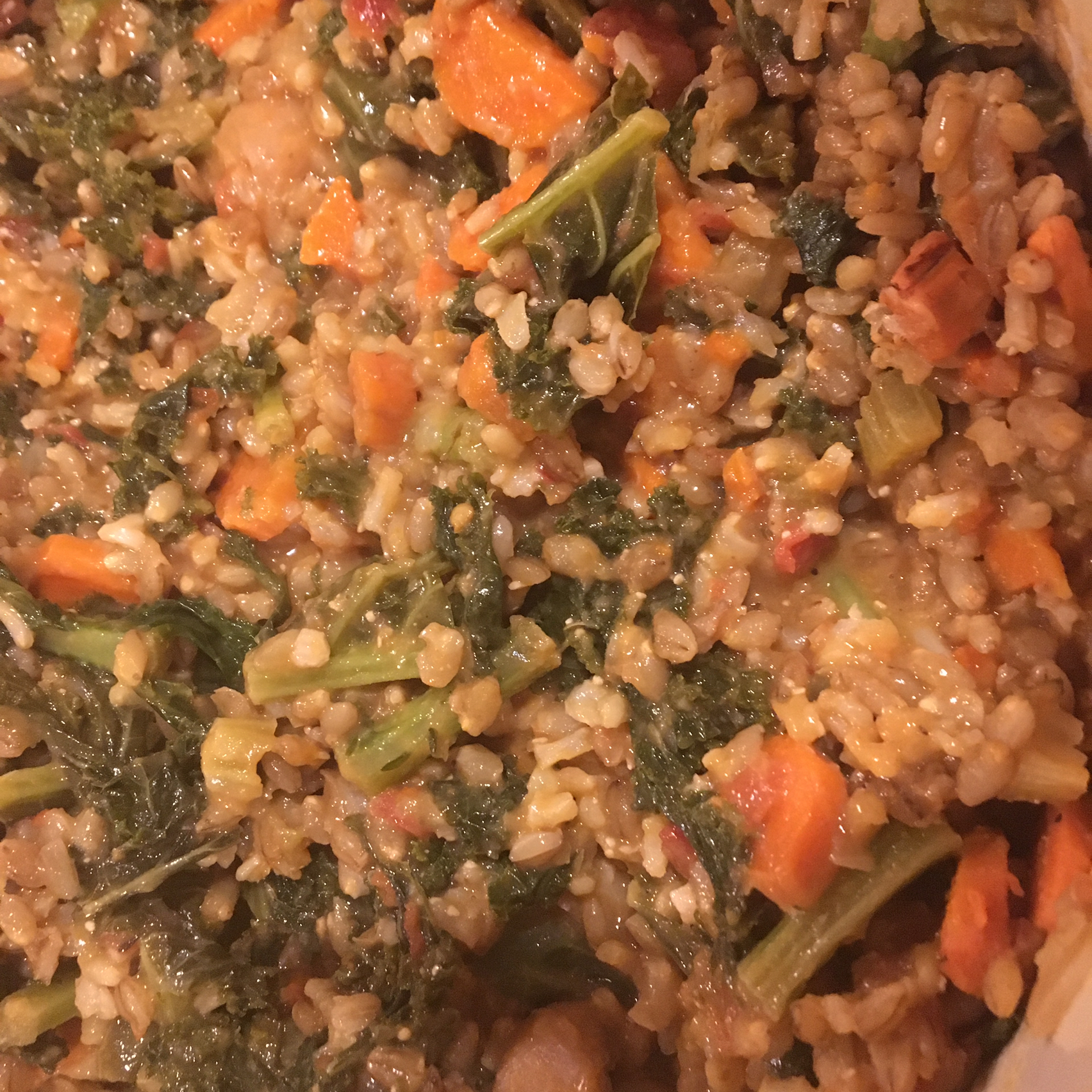 Kale, White Bean, and Farro Stew Lorena
