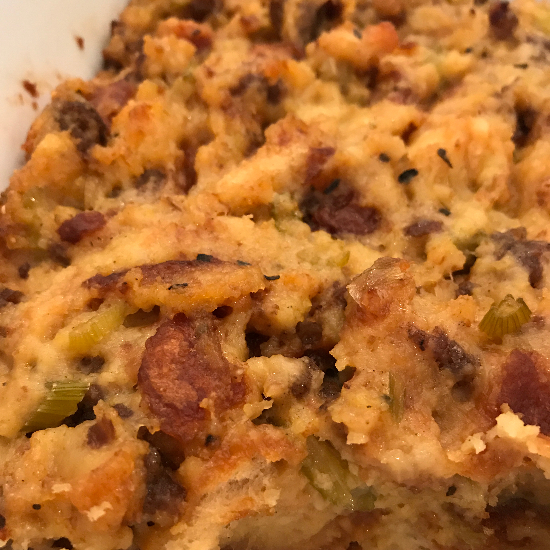Best-Ever Cornbread-Sausage Stuffing Hummingbird51
