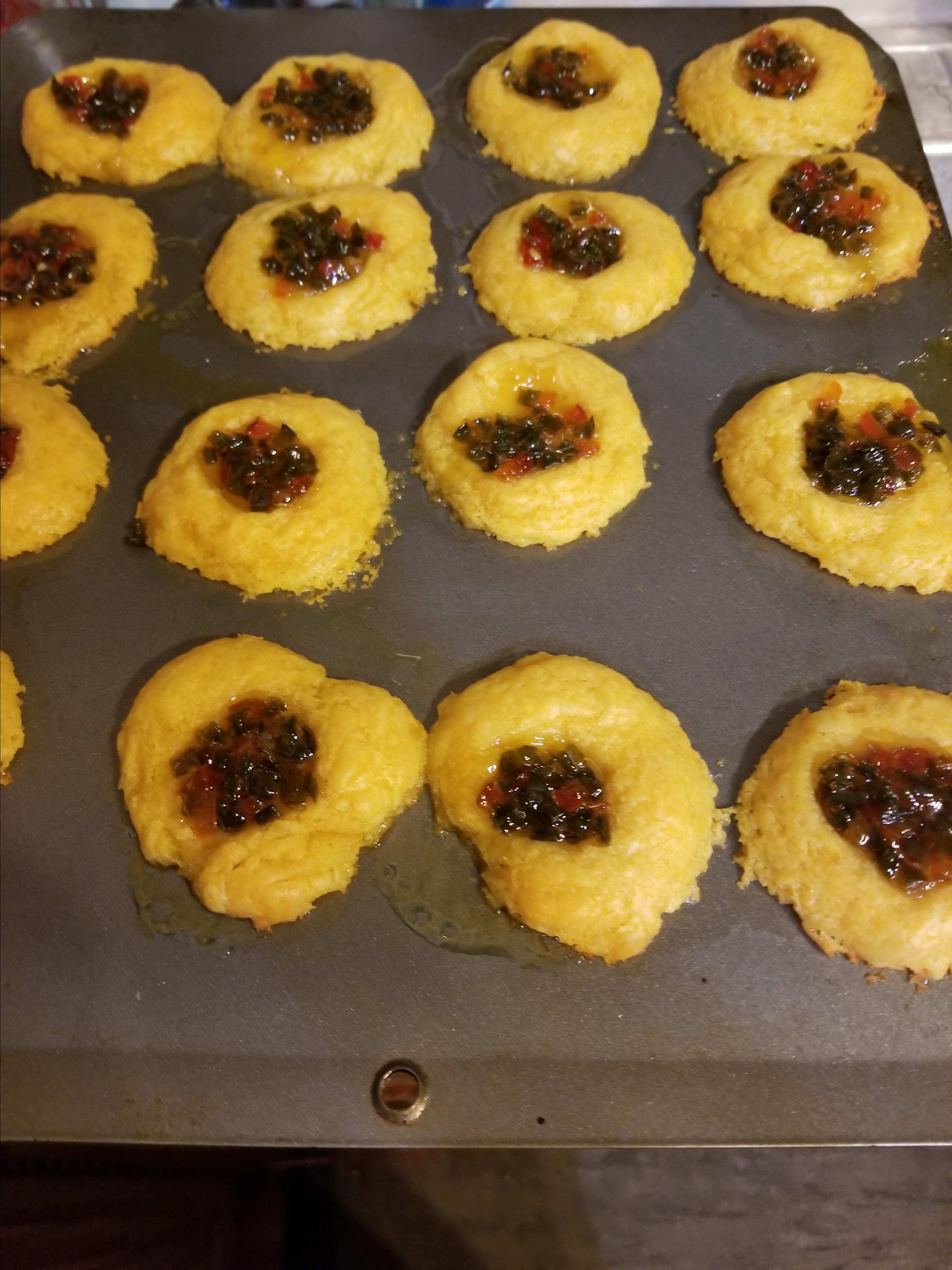 Cheesy Thumbprint Appetizers with Hot Pepper Jelly Tracy