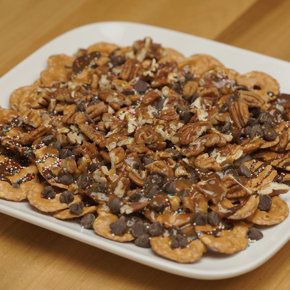 HERSHEY'S Dessert Nachos 3 Ways: Pretzel Variation